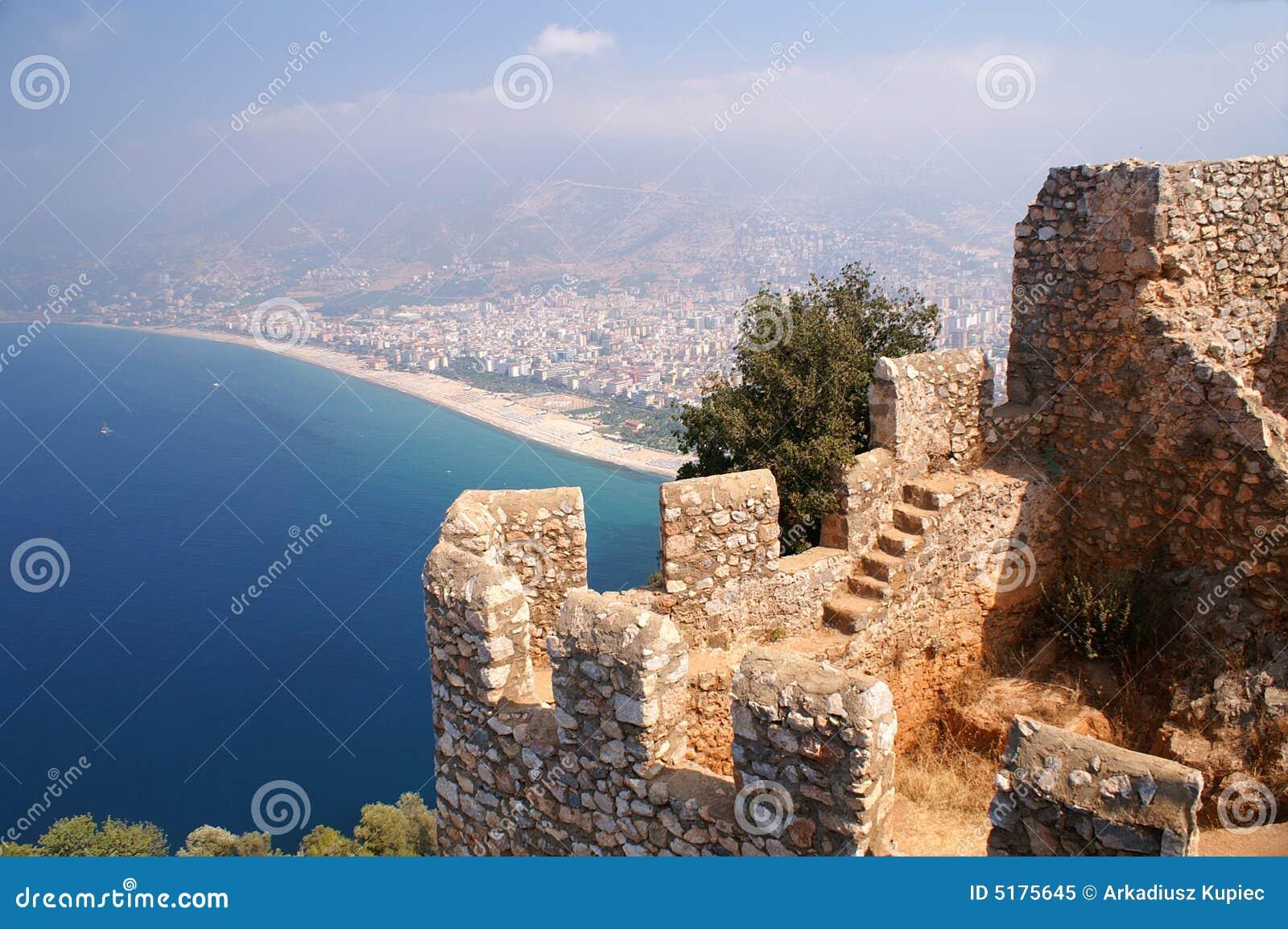 замок пляжа alanya