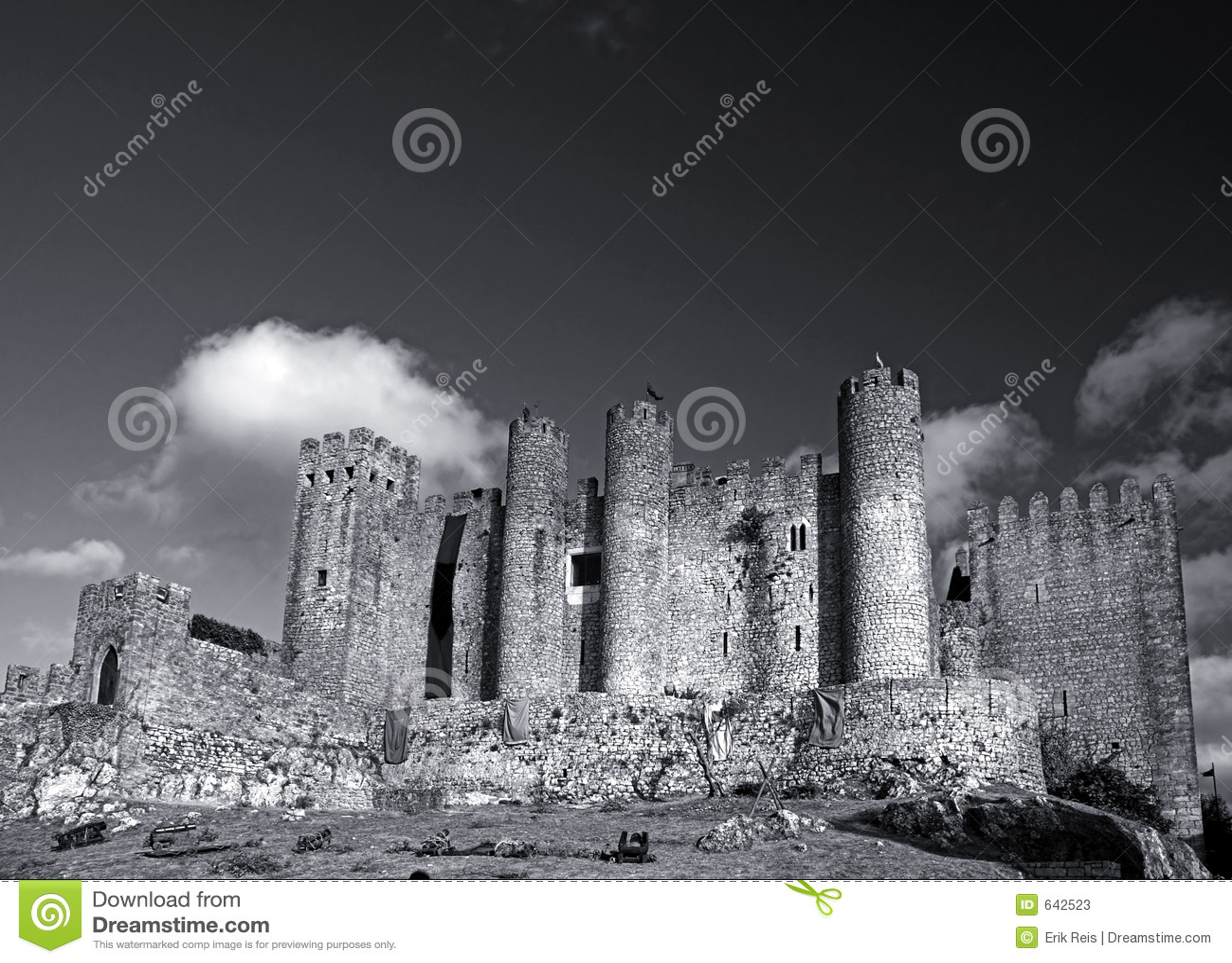 Download замок стоковое изображение. изображение насчитывающей драка - 642523