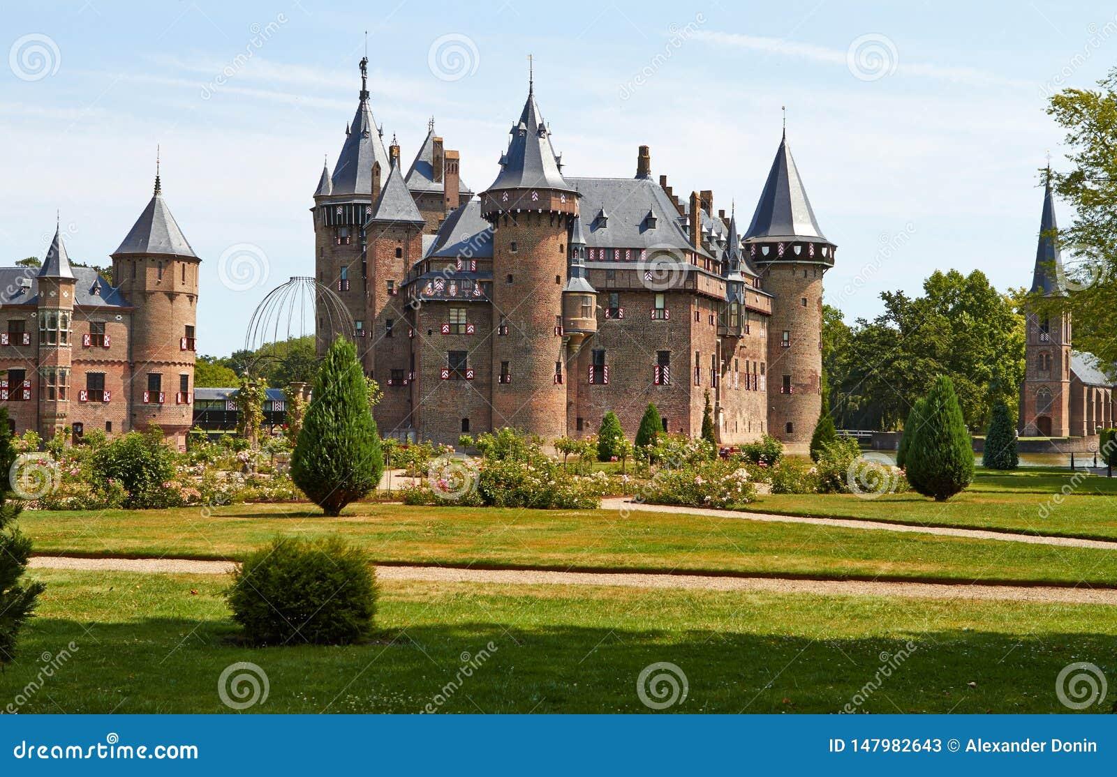Замок De Haar расположен, в провинции Utrecht
