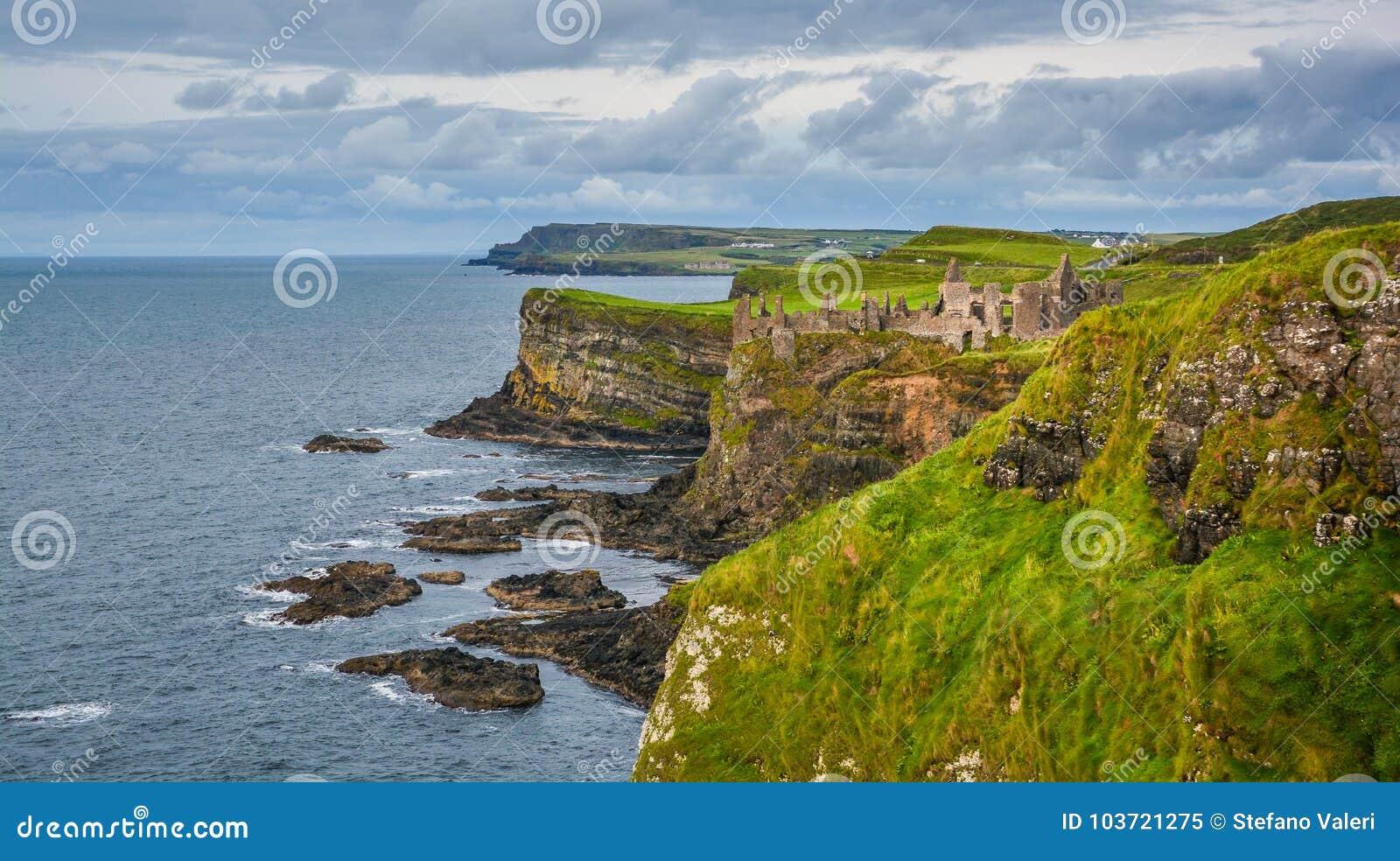 Замок Dunluce, графство антрим, Ирландия