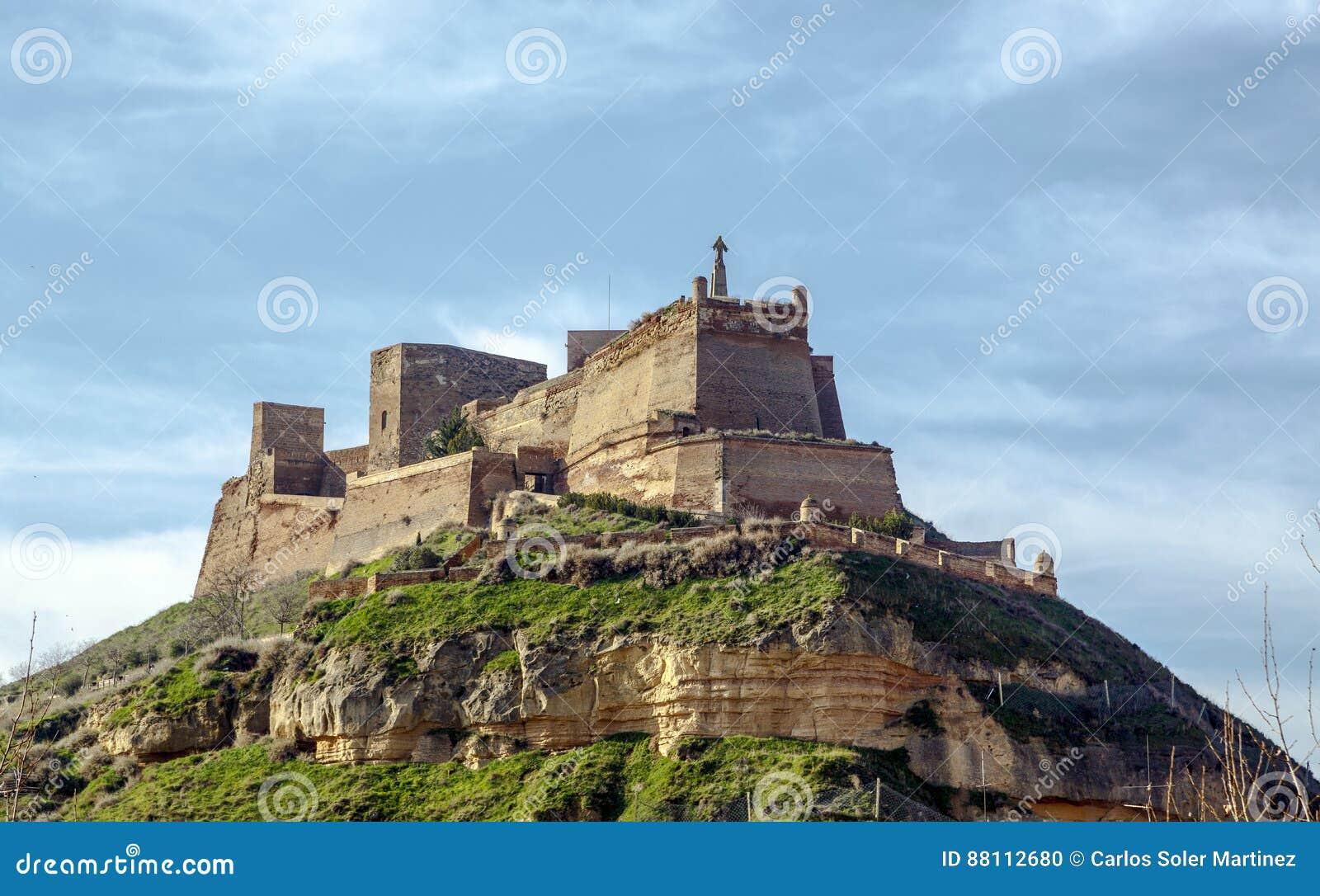 Замок Templar Monzon арабского десятого века Уэски Испании начала