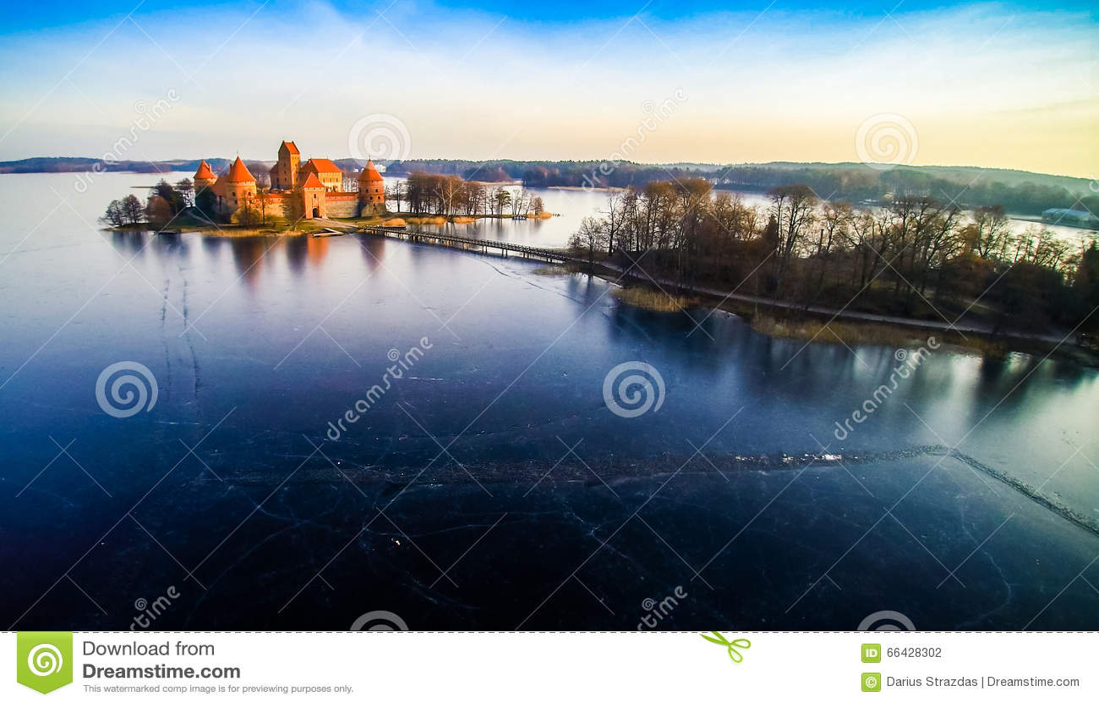 Замок Trakai