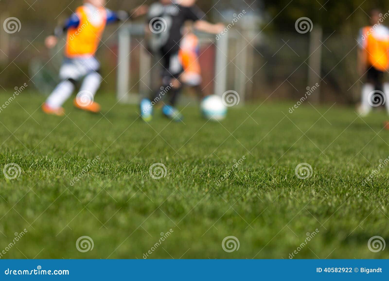 Запачканные дети футбола