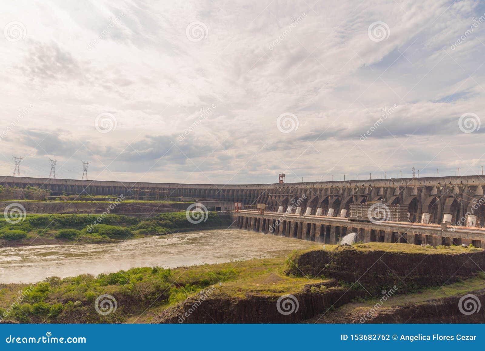 Запруда ГЭС 06 Itaipu