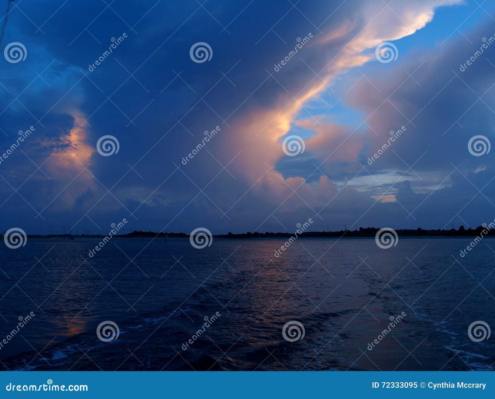 Зарево облака