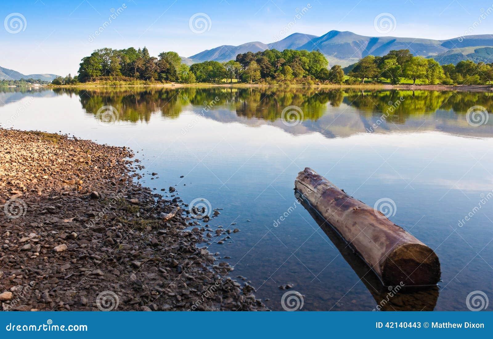Заречье озера, Cumbria, Великобритания