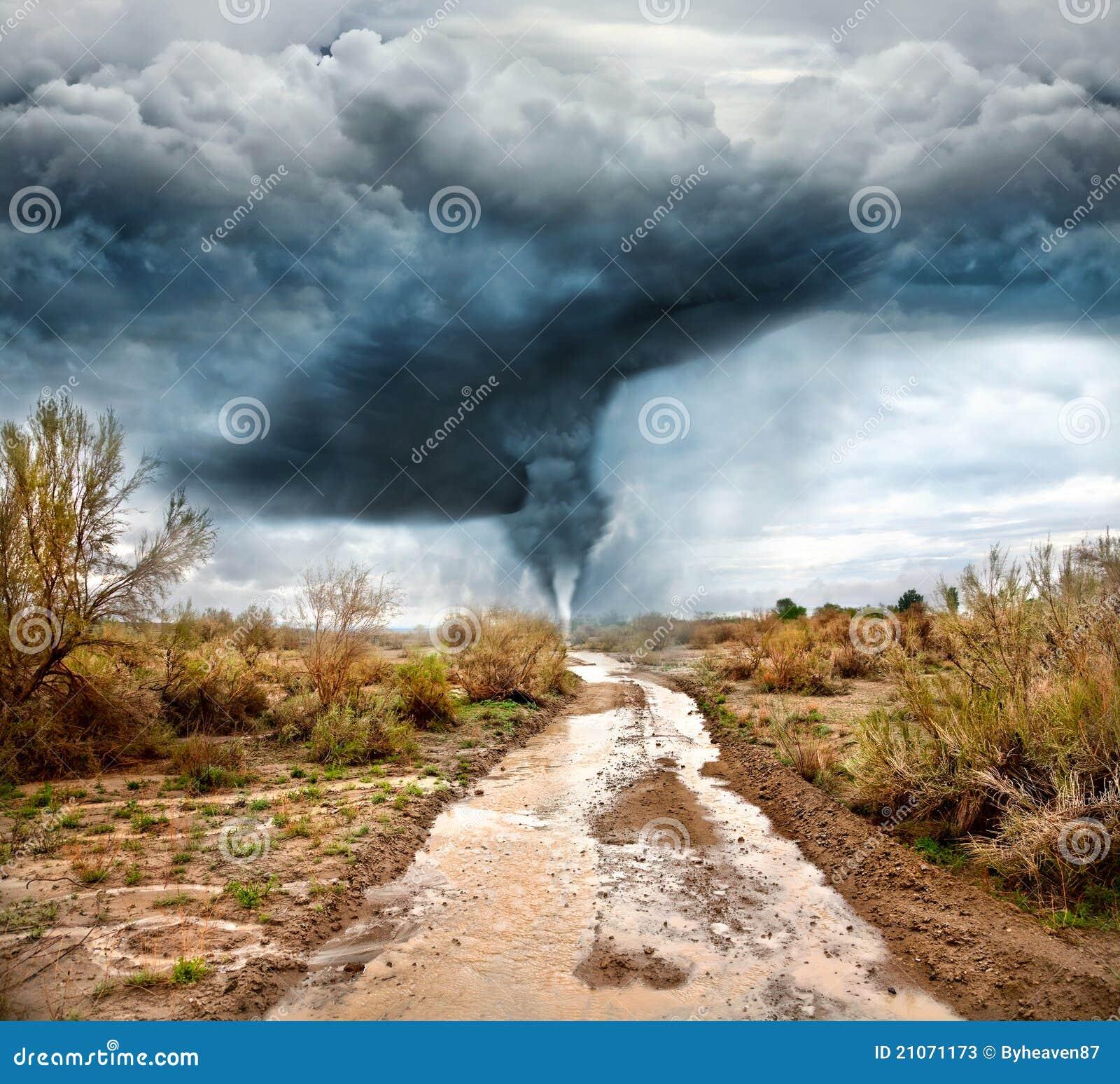 затопленная дорога урагана