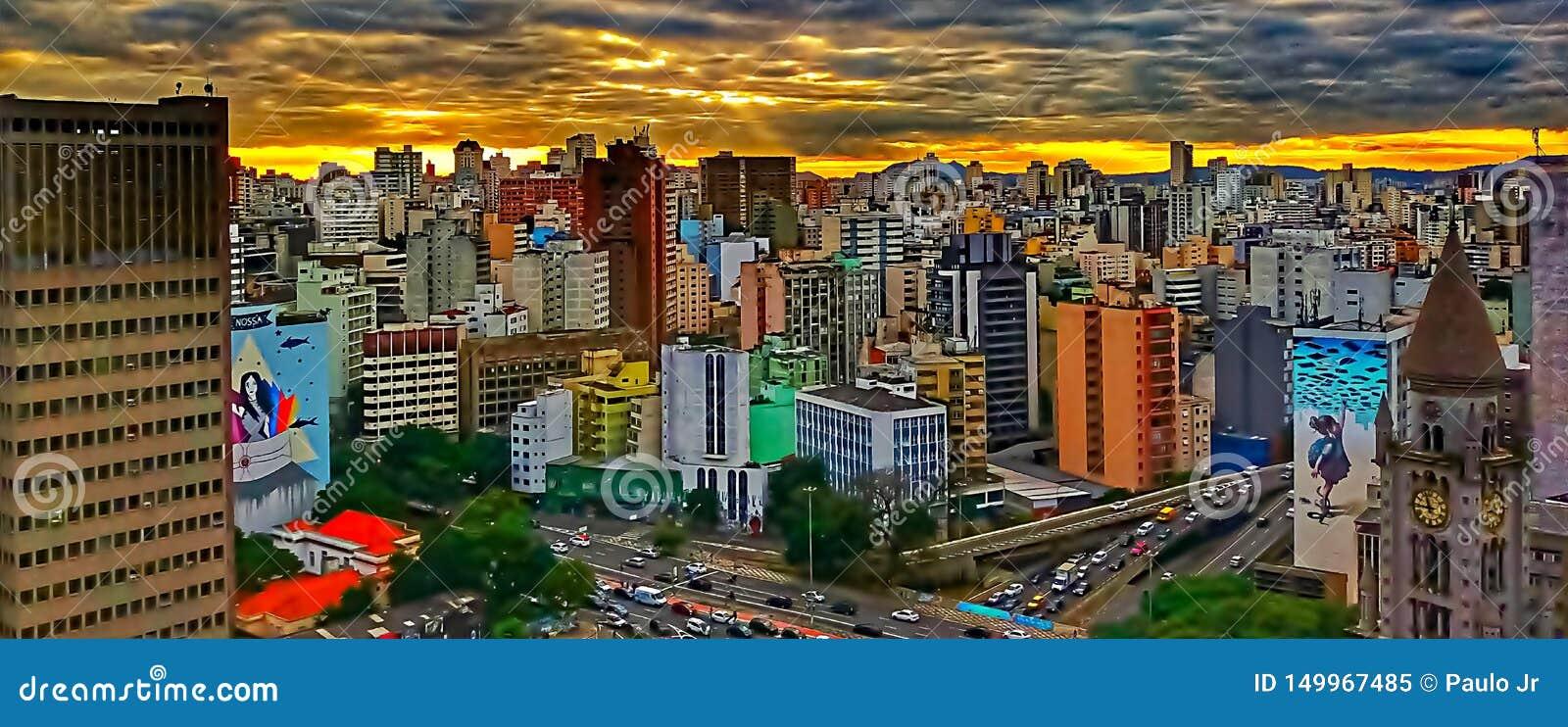 Заход солнца в городе São Paulo