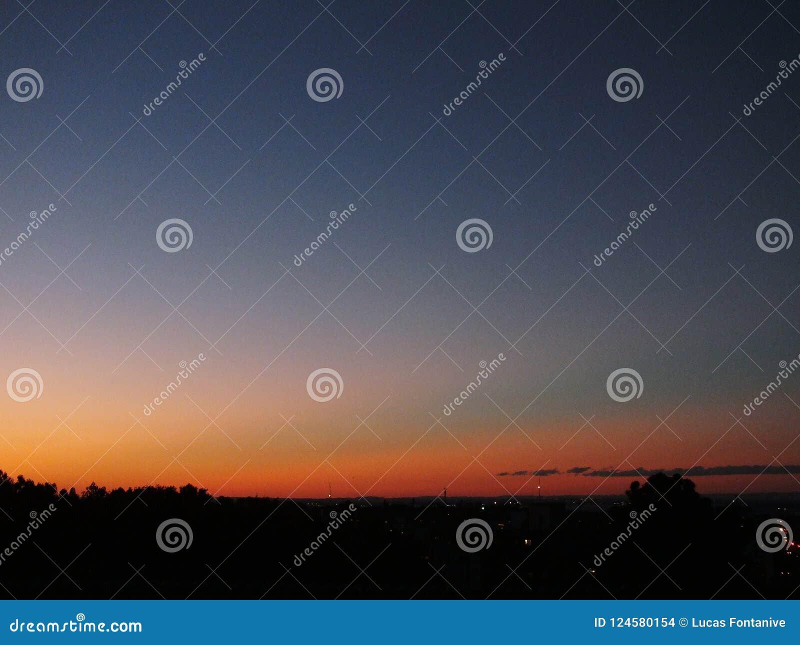 Заход солнца в Порту-Алегри, Бразилии