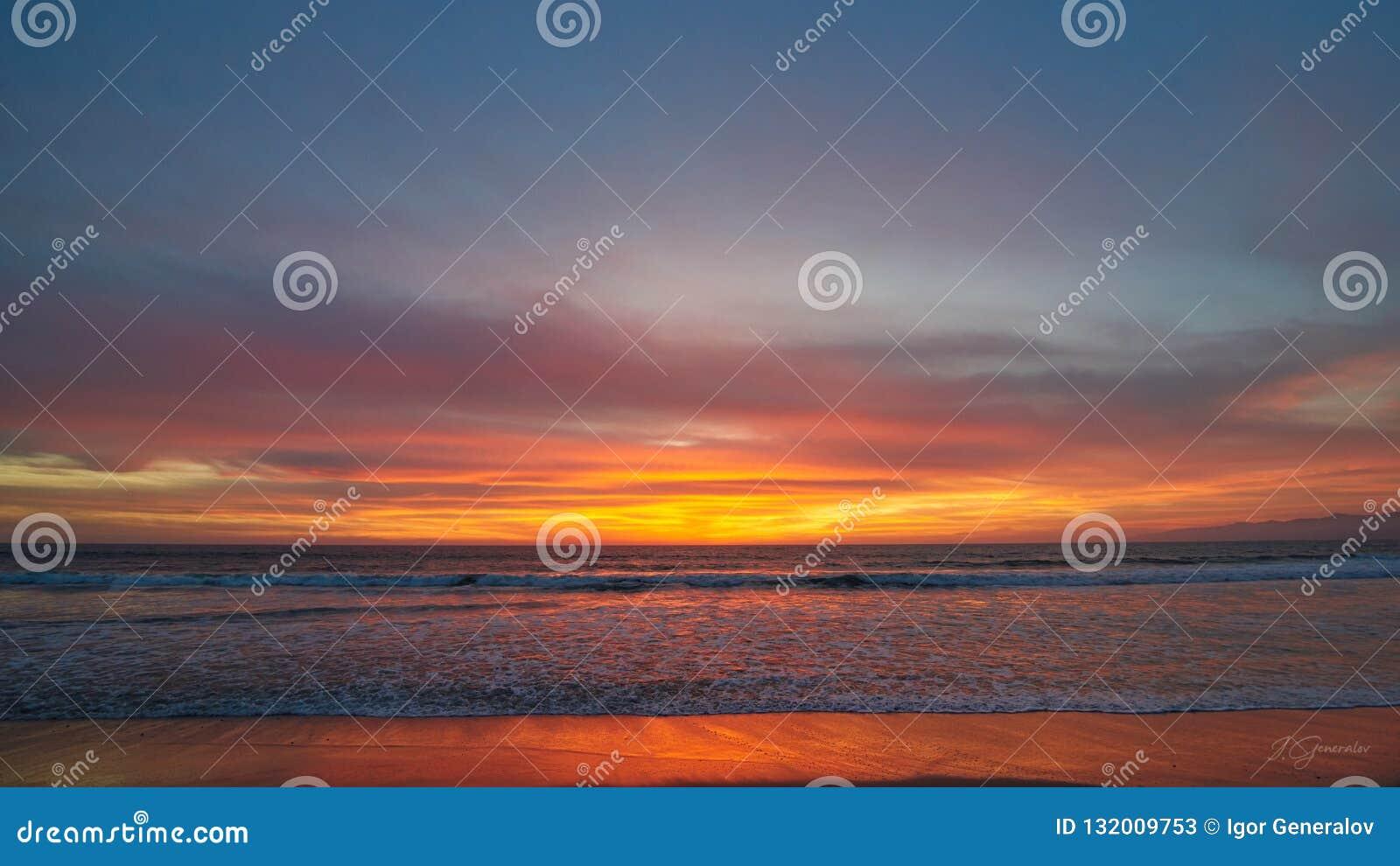 Заход солнца в alifornia ¡ Ð, пляже Венеции