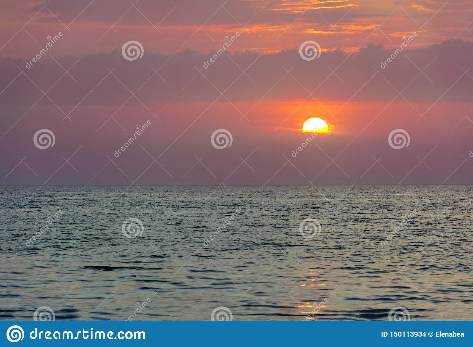 Заход солнца над Эгейским морем, Грецией, Родосом