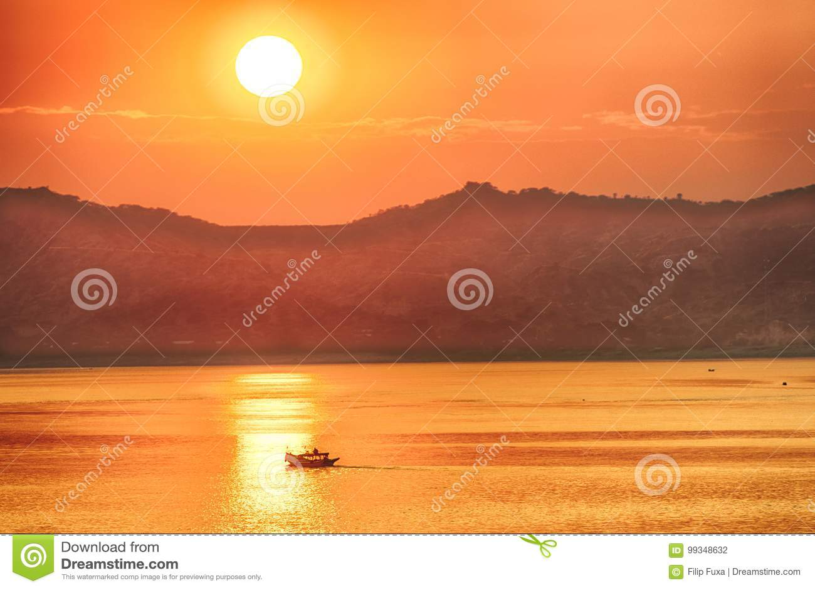 Заход солнца над Irrawaddy