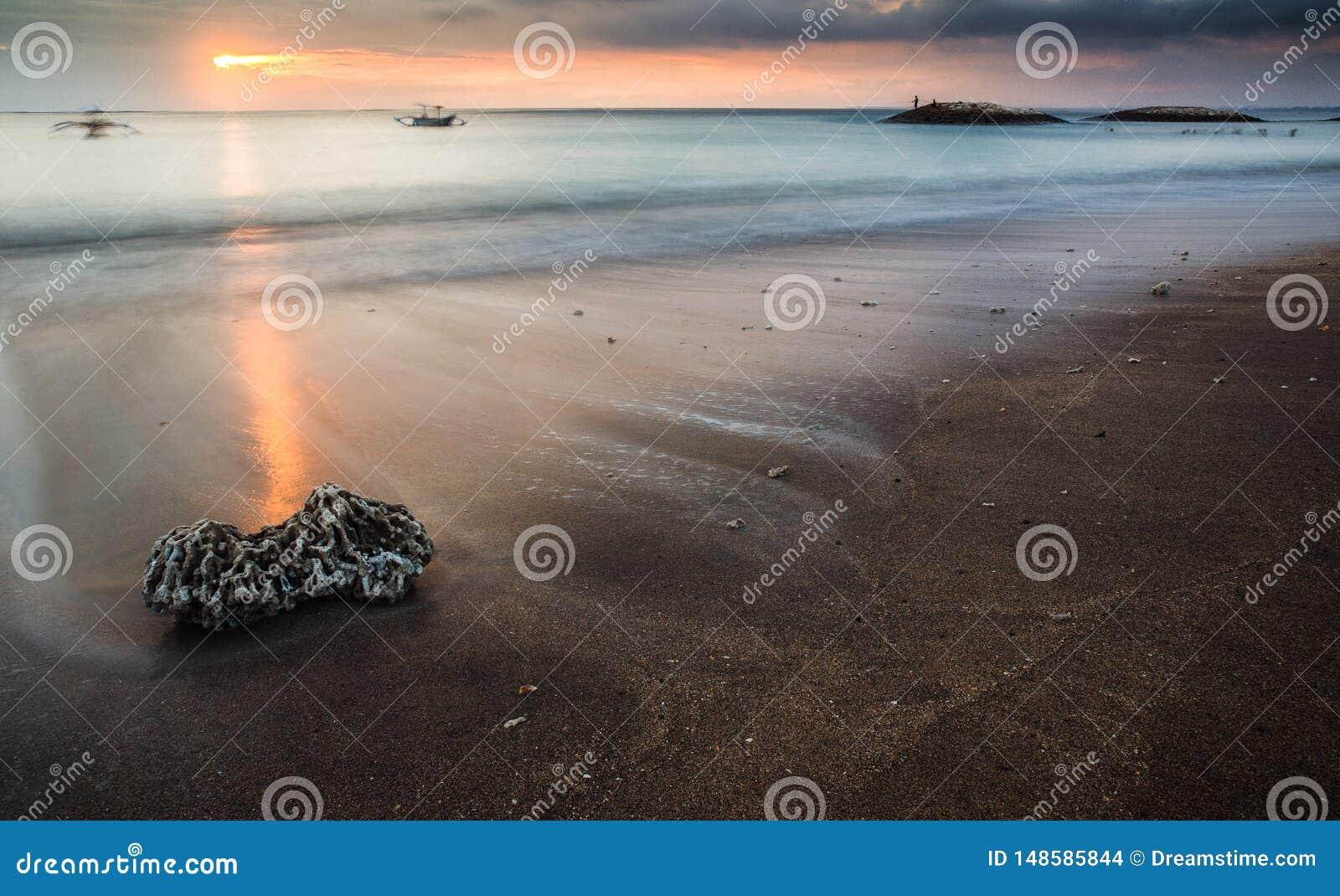 Заход солнца на Бали Индонезии