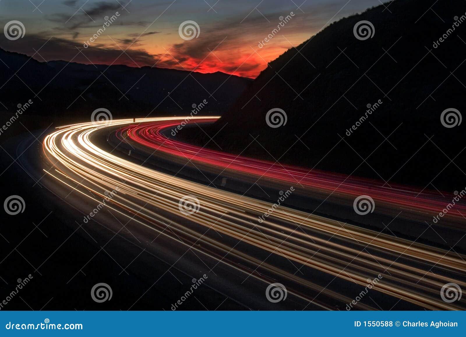 заход солнца скоростного шоссе