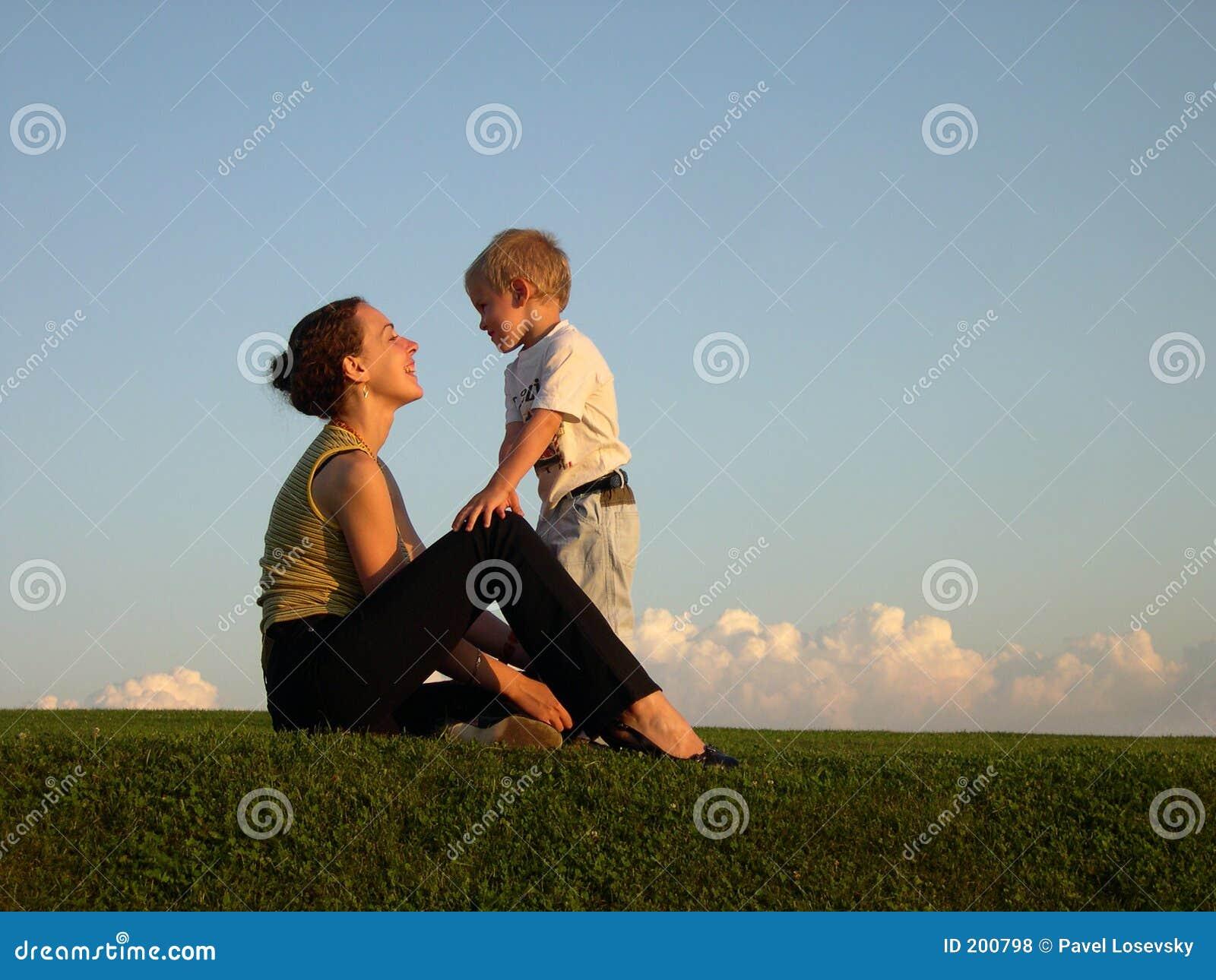 Секс сын трахает мать в картинках, Мама и сын » Инцест фото. Порно мамы и сына, папы 18 фотография