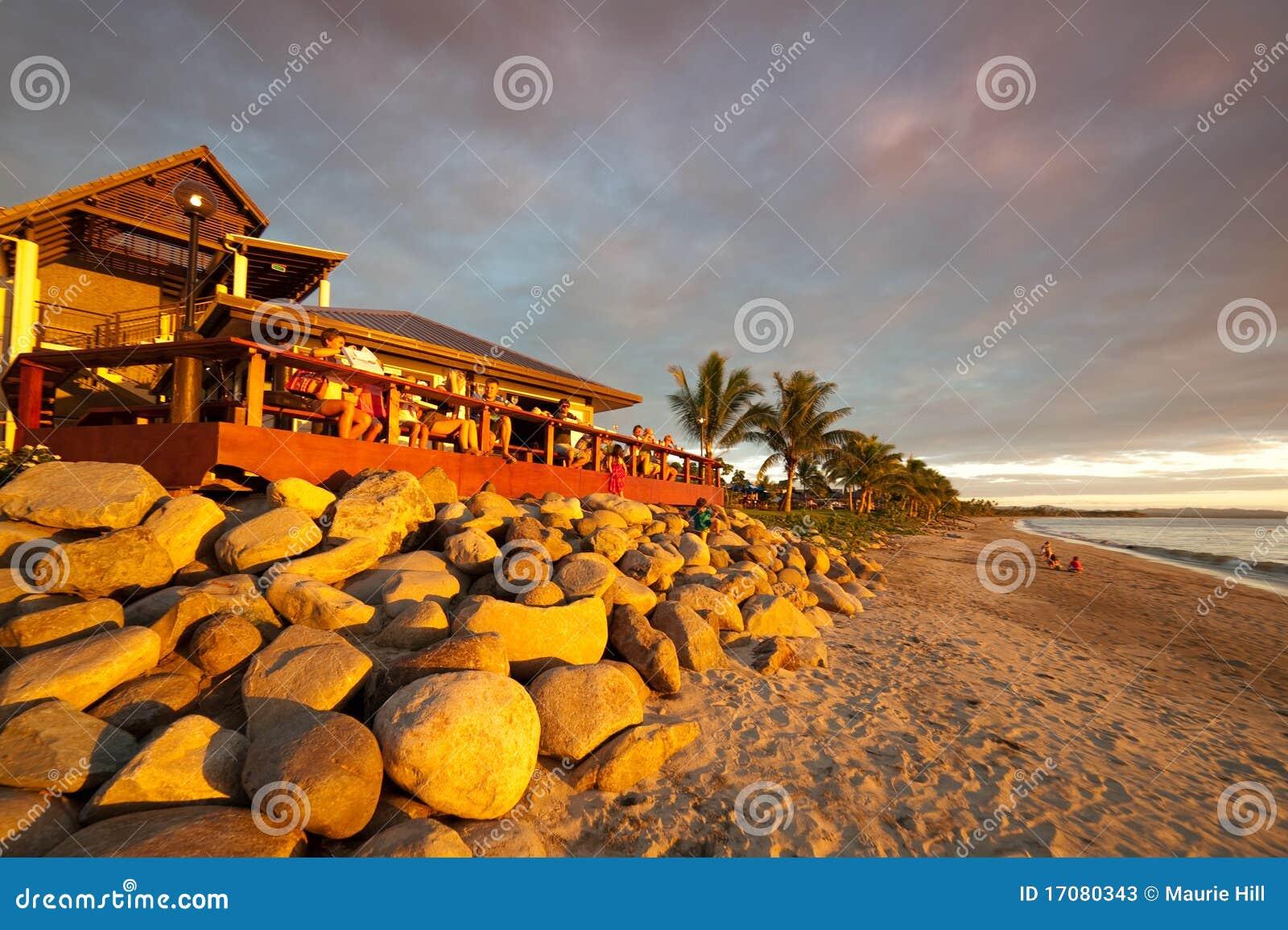 заход солнца Фиджи пляжа штанги