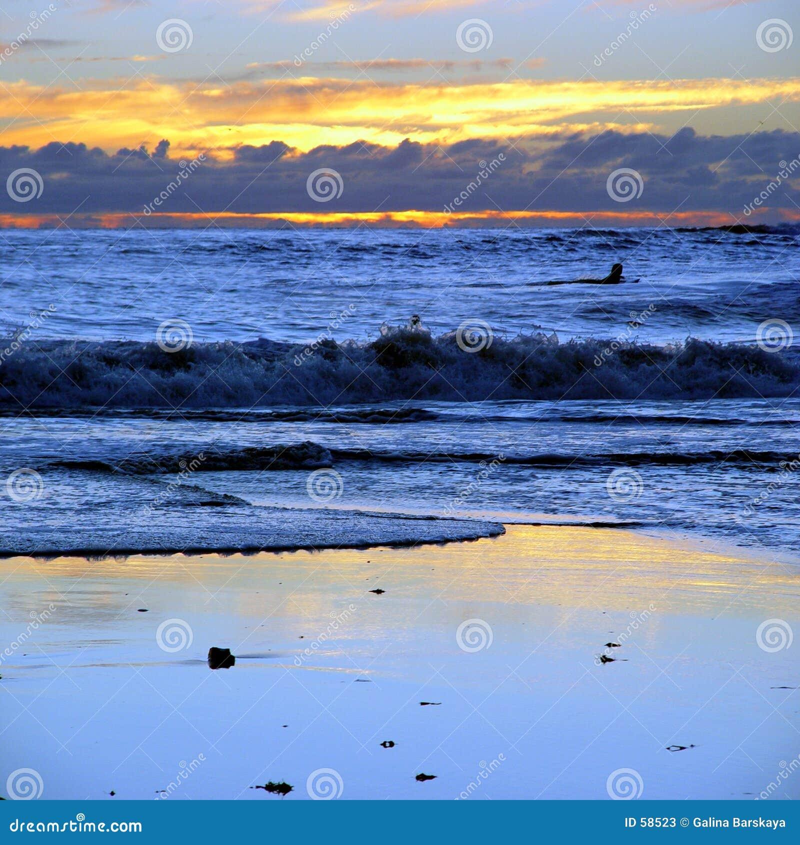 заход солнца ca пляжа