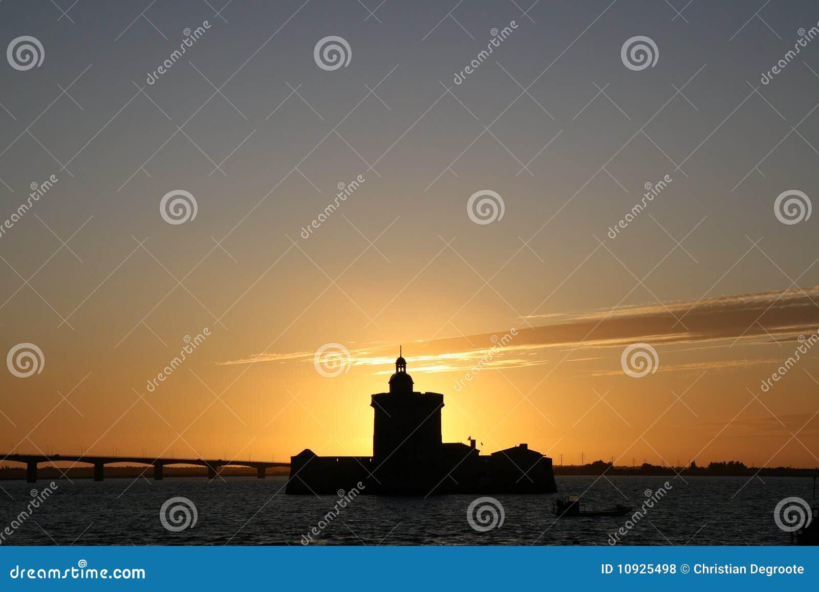 заход солнца louvois форта