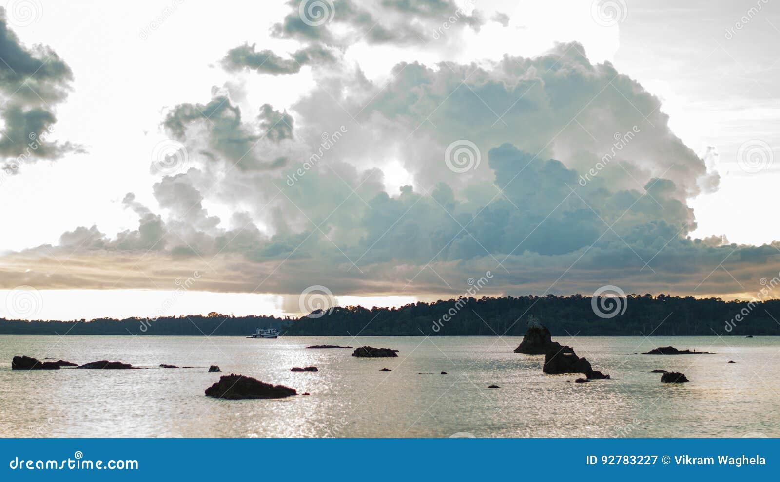 Заход солнца Chidiyatapu, Андаманские острова