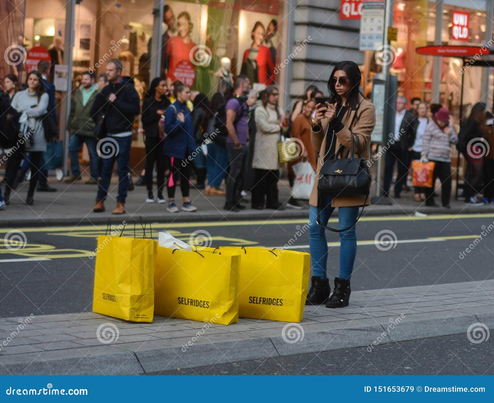 Защита интересов потребителя, покупатели и большие продажи