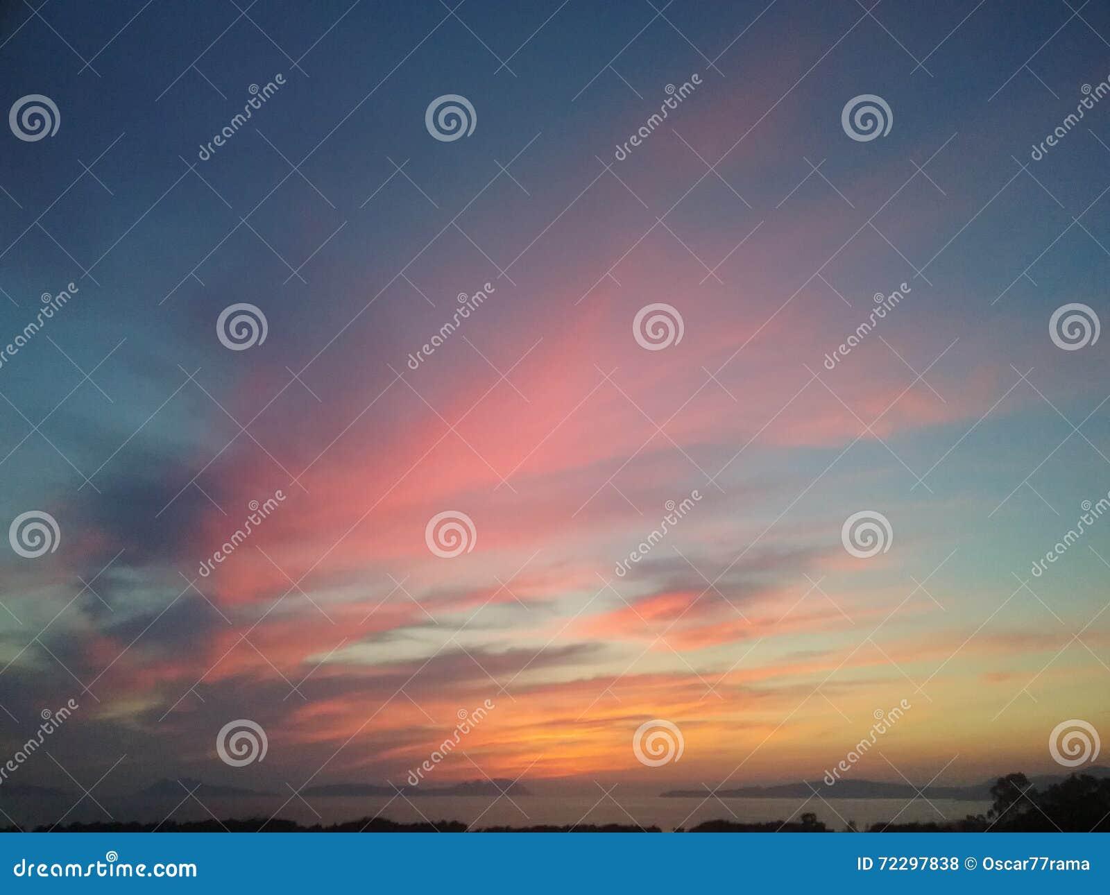 Download за солнцем стоковое фото. изображение насчитывающей острова - 72297838