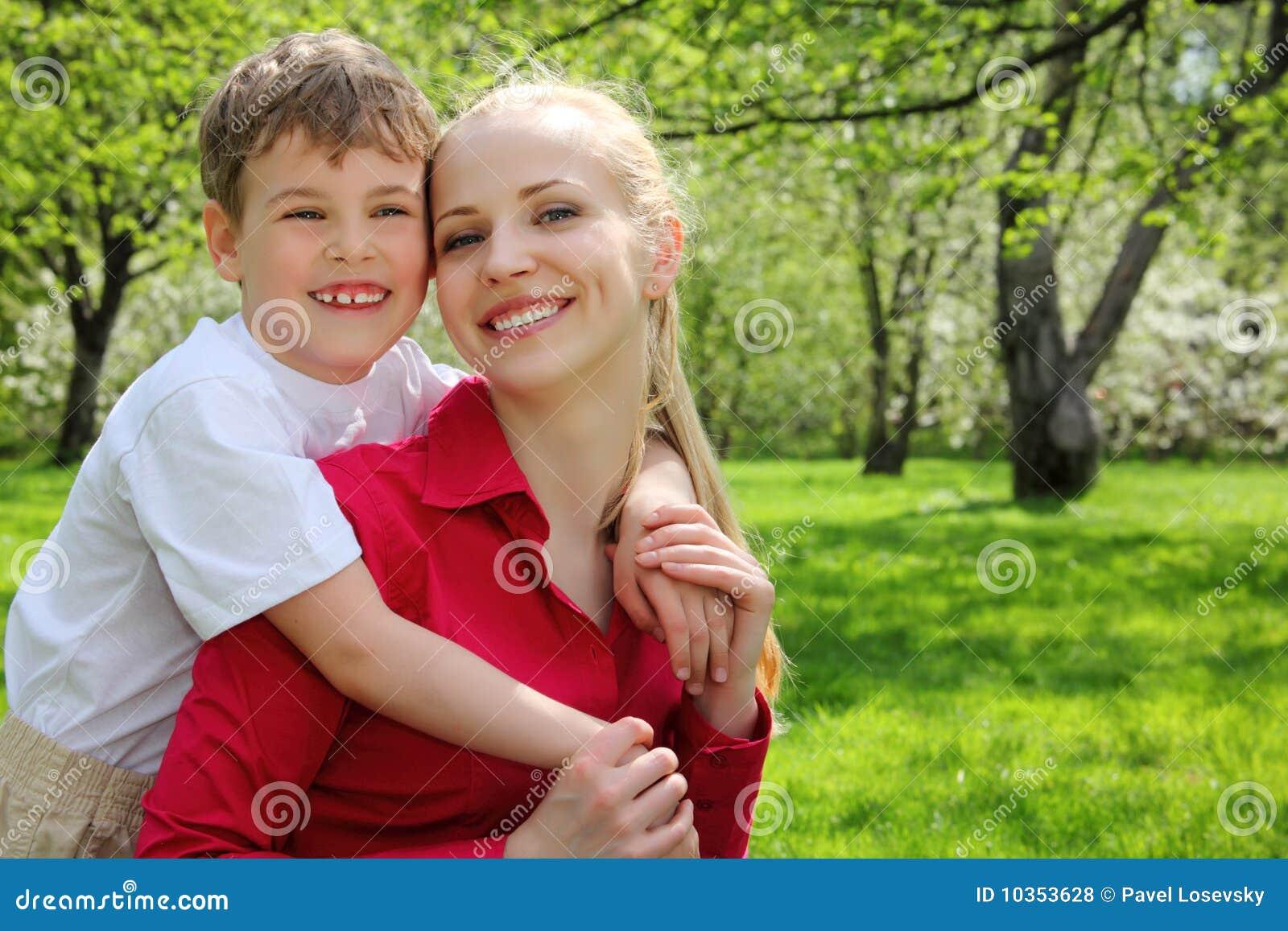 Сын смотрит как маму 23 фотография
