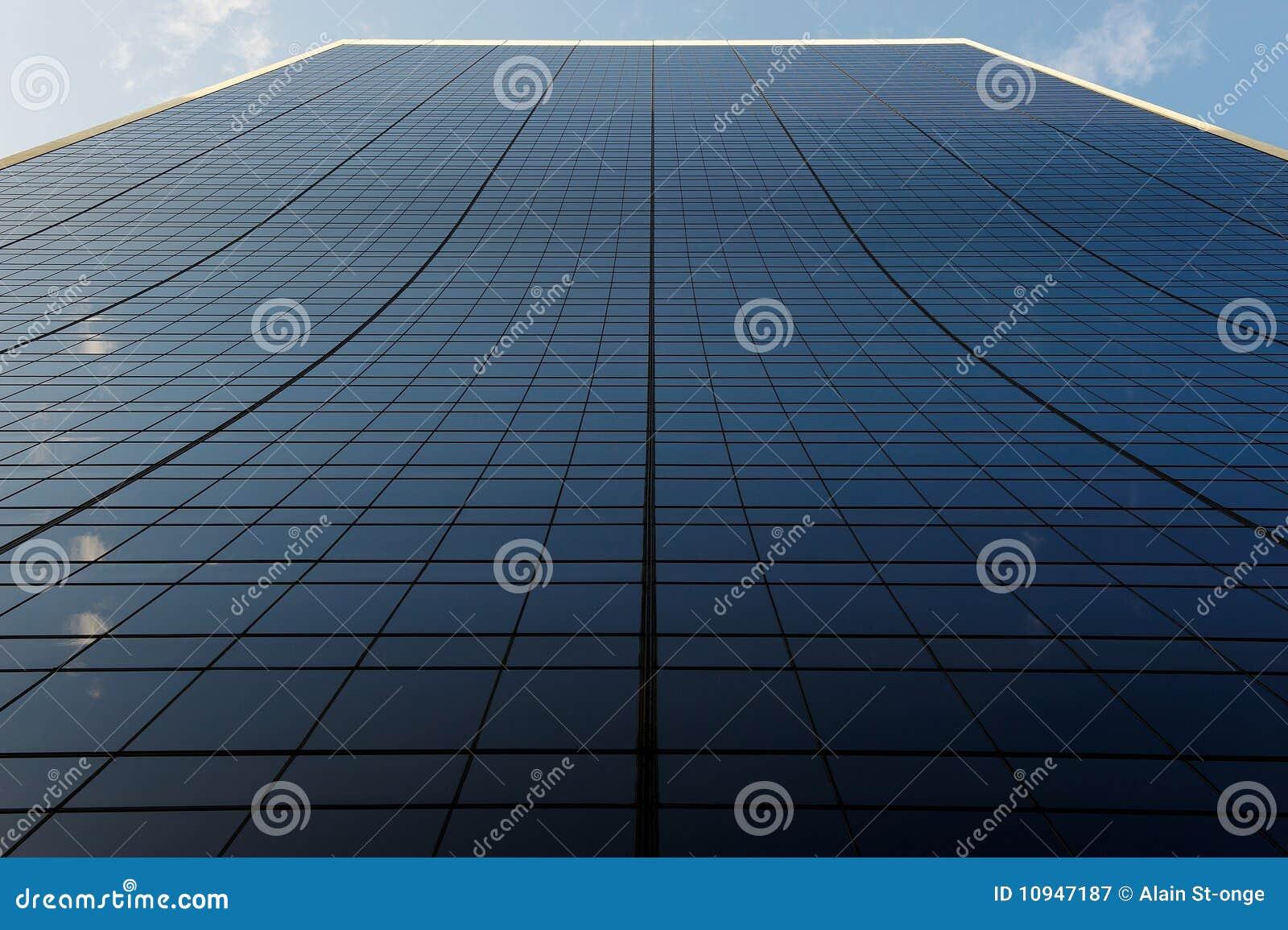 здание заволакивает линии