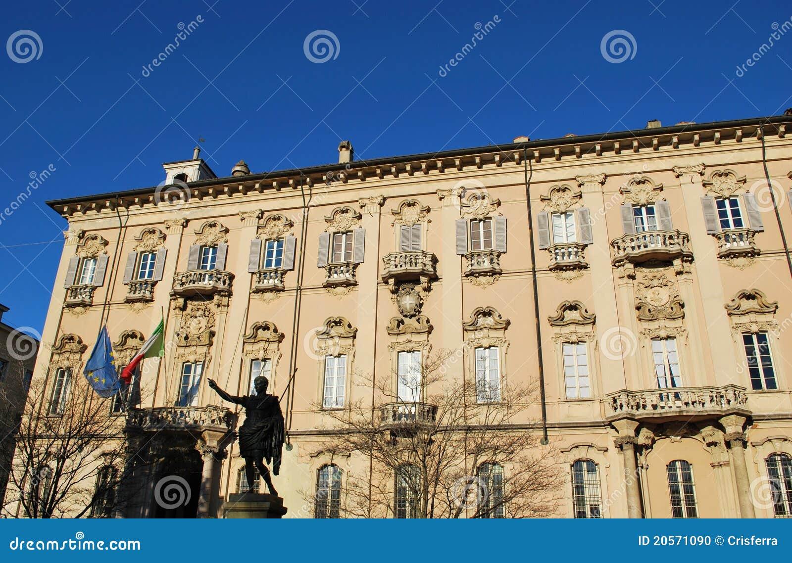 здание муниципалитет pavia