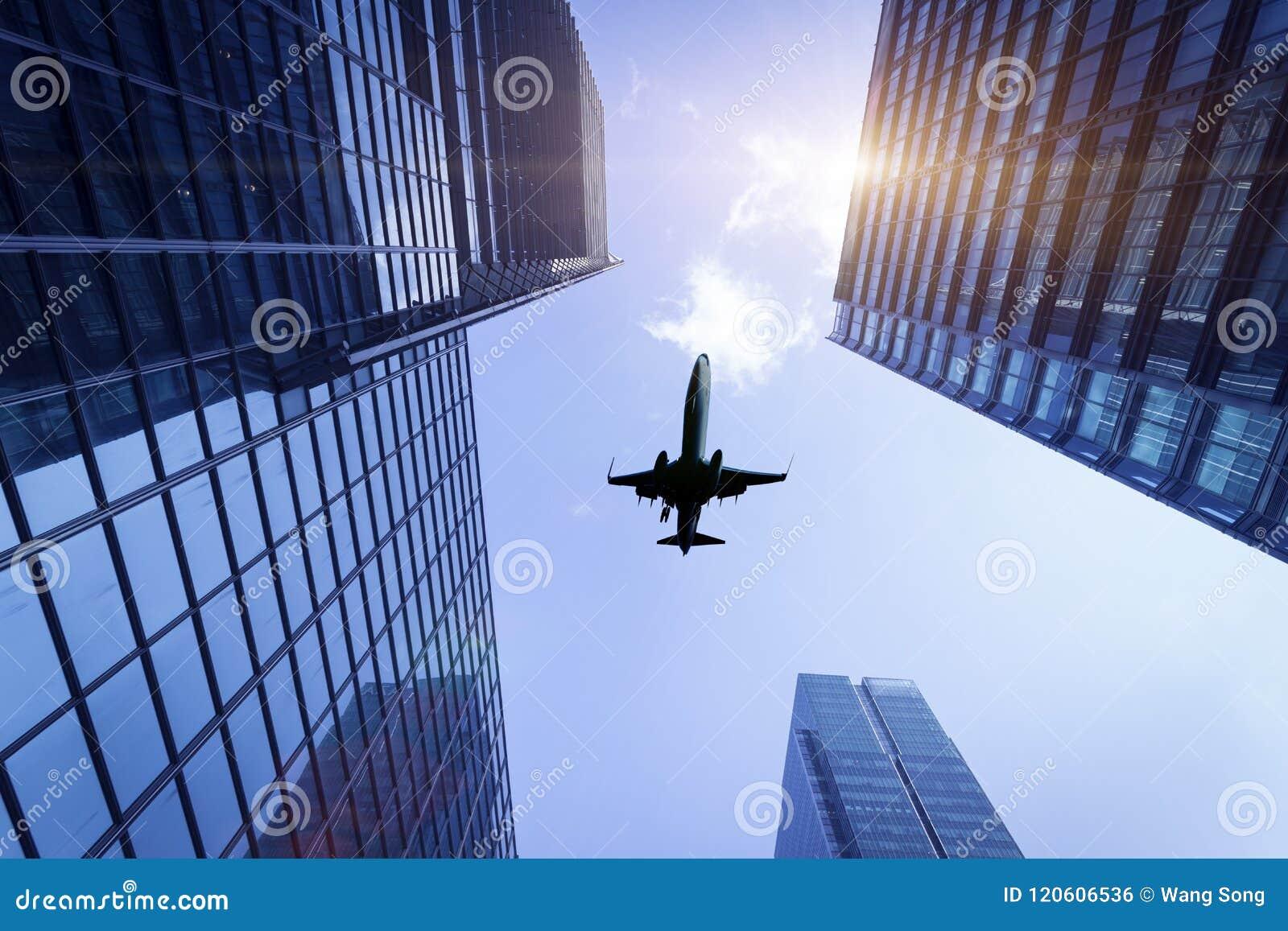 Здания и воздушные судн города
