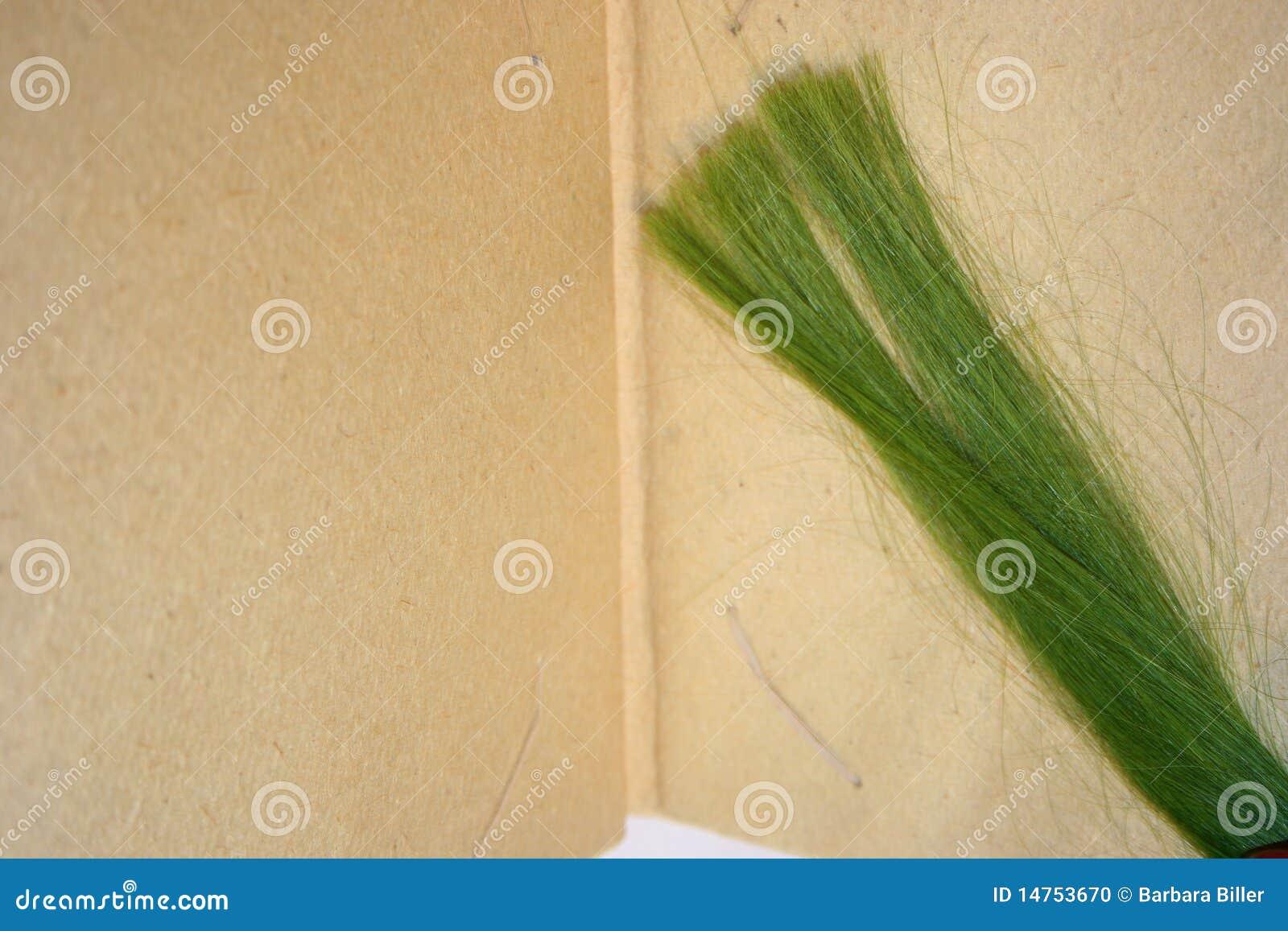 Зеленые стренги волос