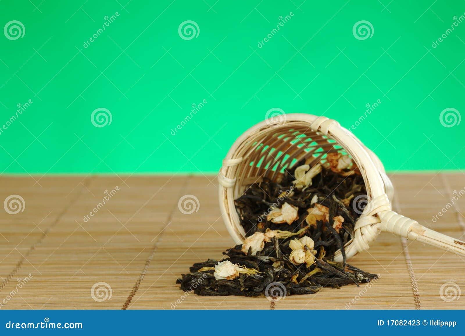 зеленый жасмин покидает чай