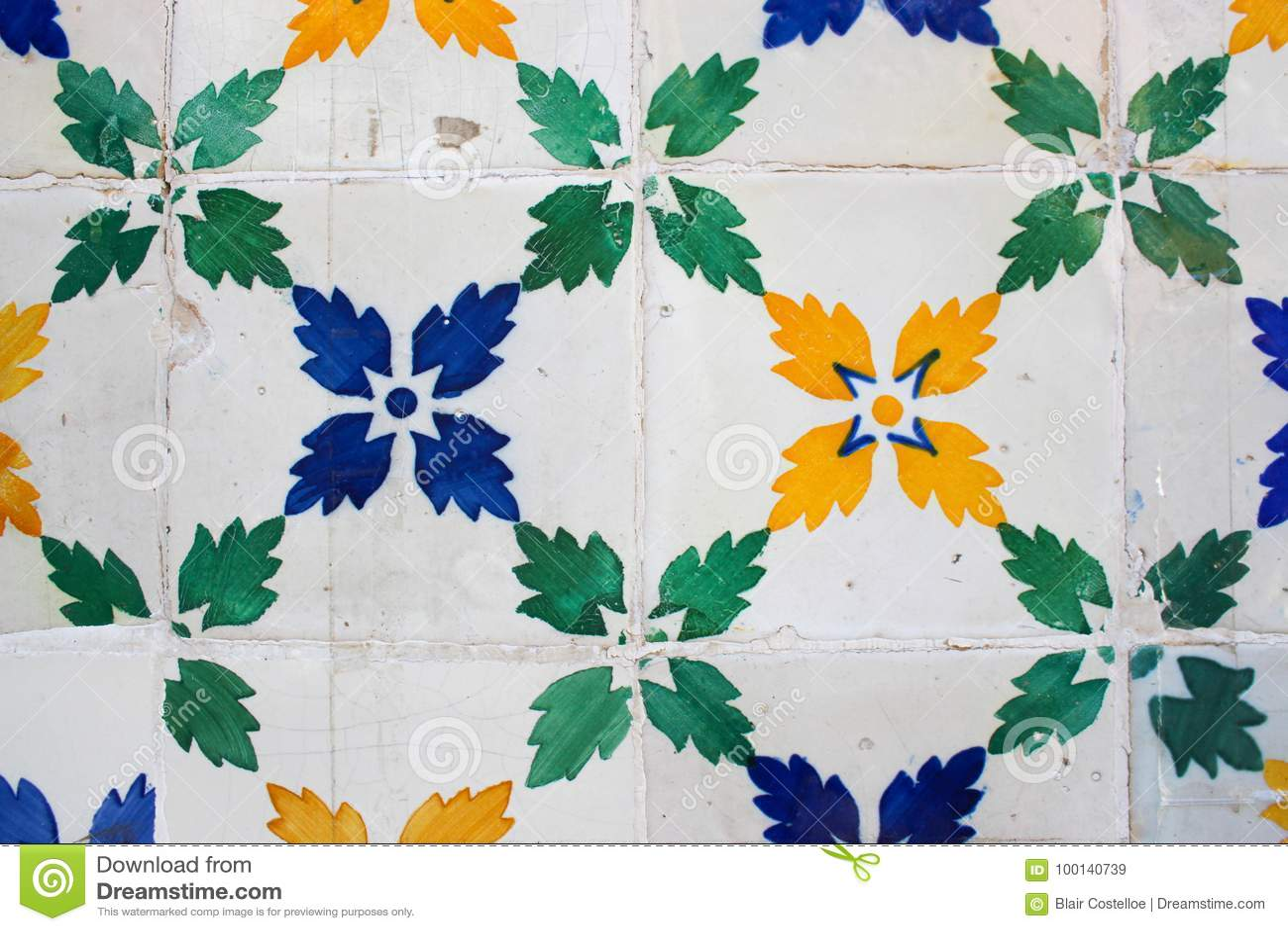 Зеленый, синь и желтый цвет лист-сделал по образцу плитки на здании в Lis