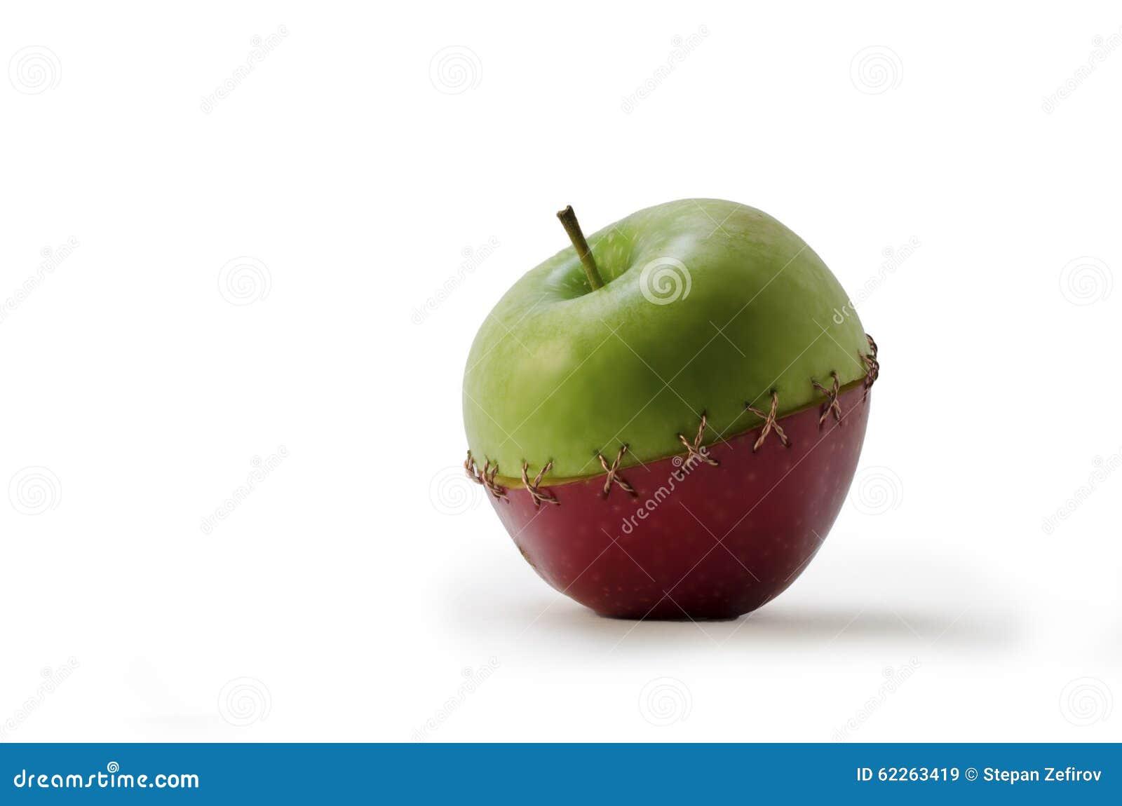 Зеленым Яблоко сшитое красным цветом