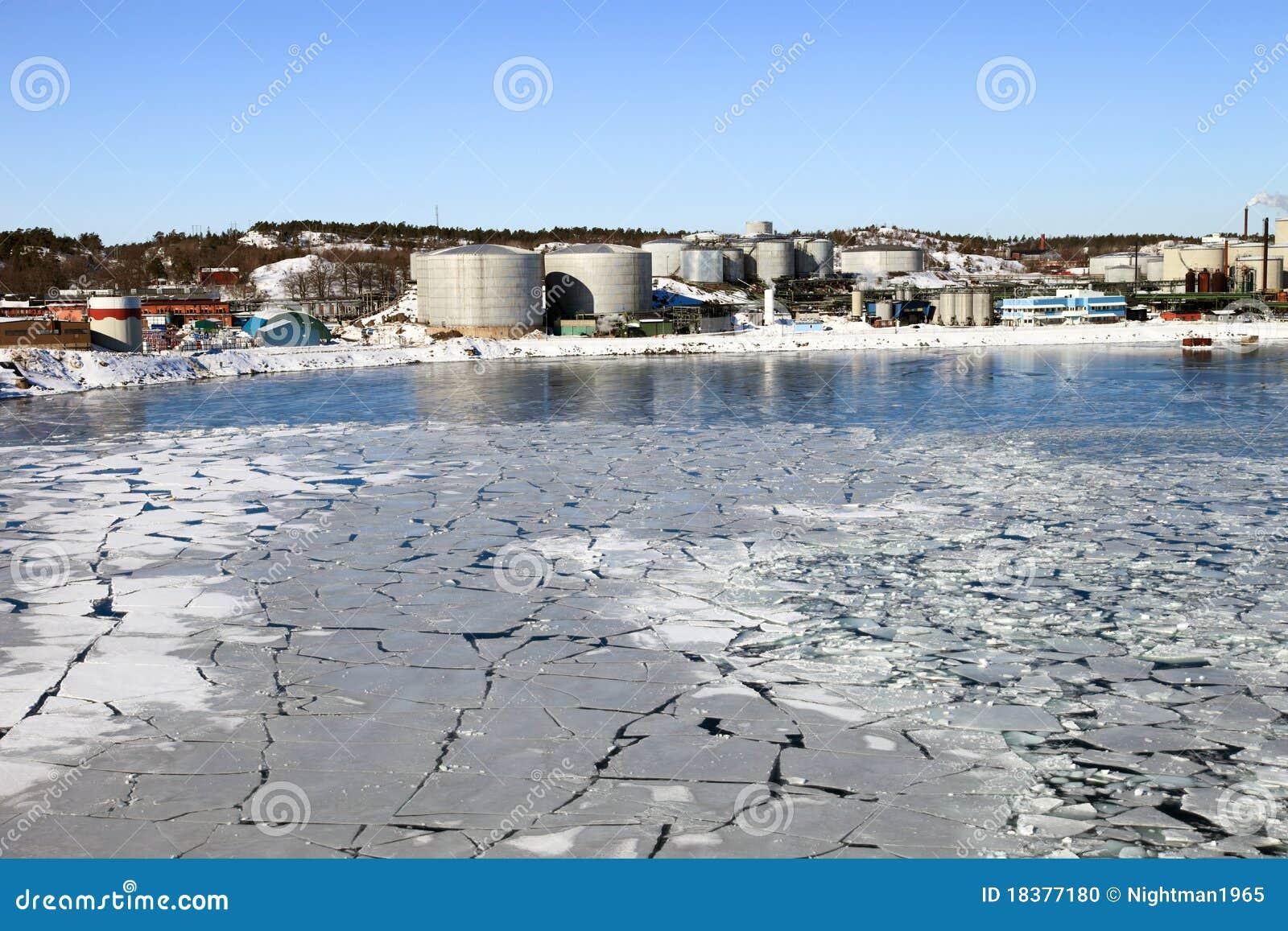 зима пейзажа рафинадного завода