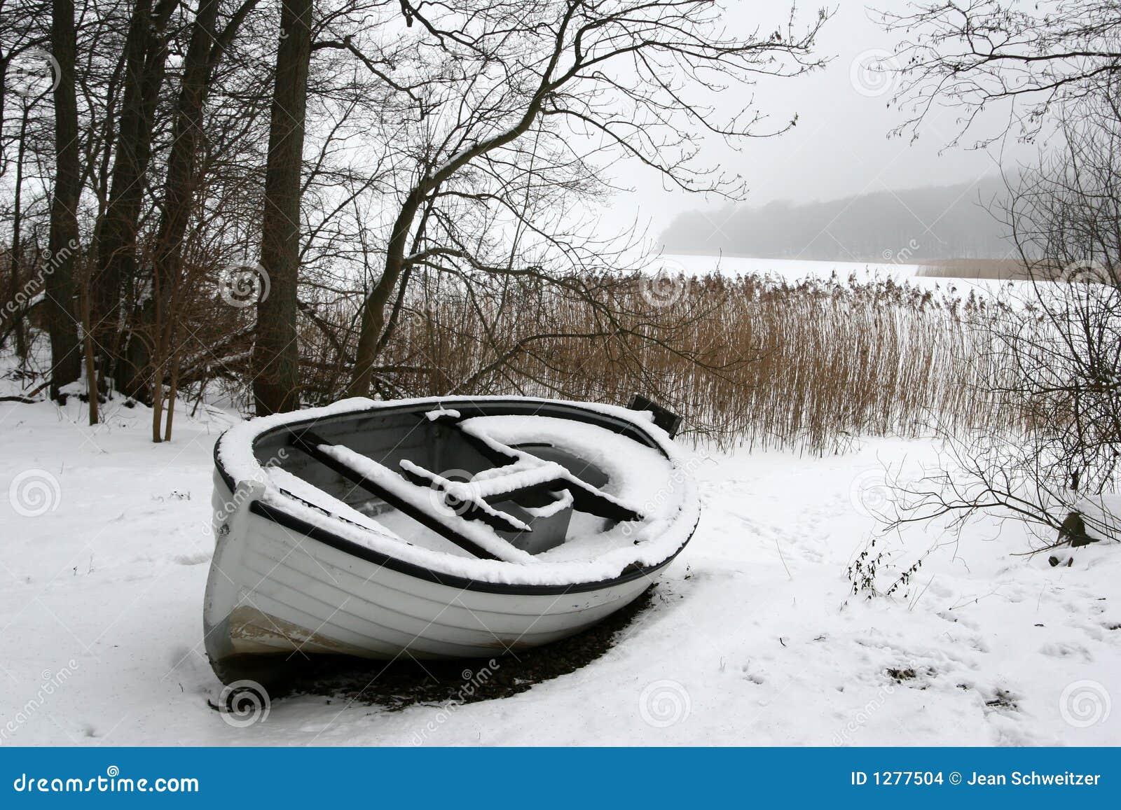 зима шлюпки туманнейшая