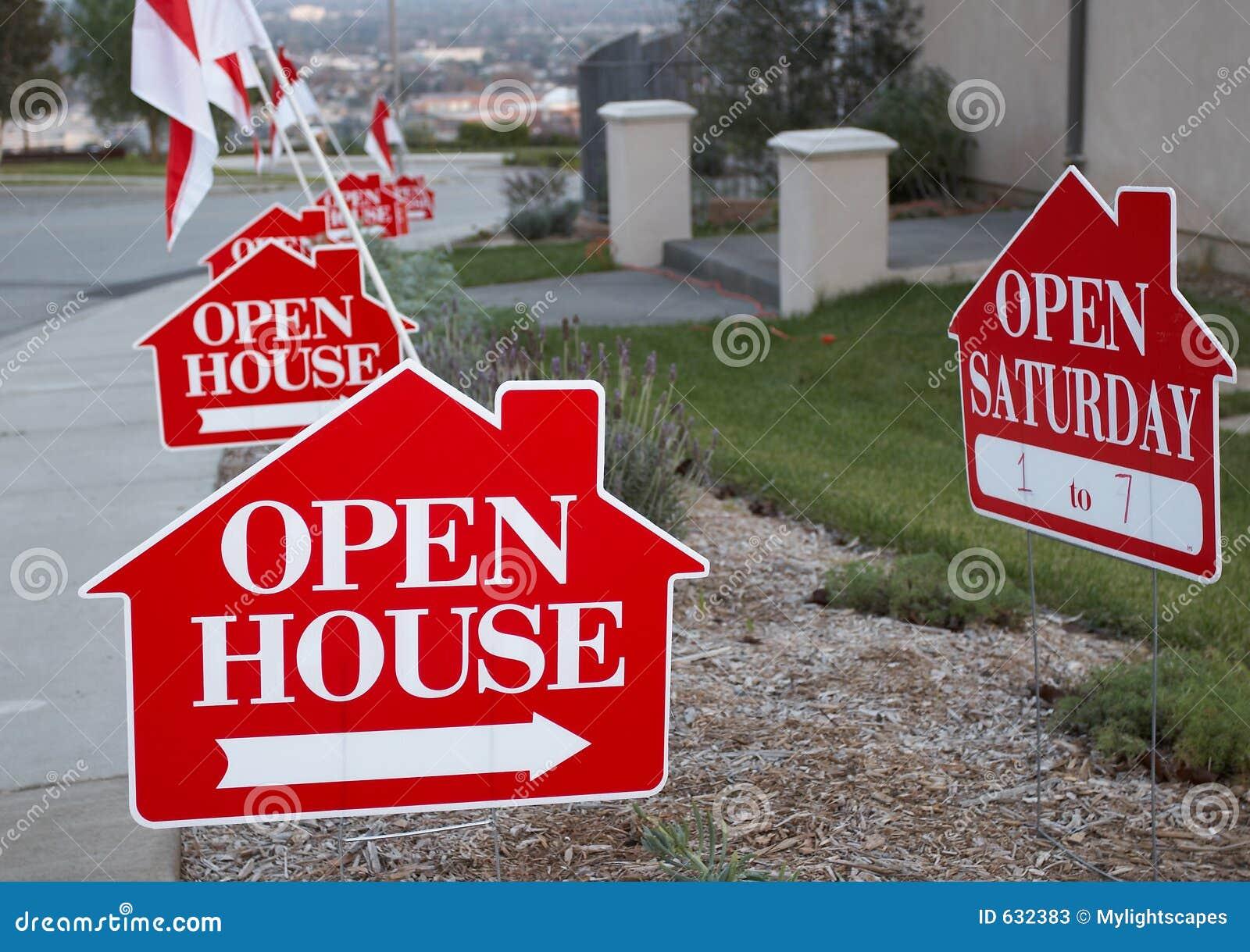 Download знаки дома открытые красные белые Стоковое Изображение - изображение насчитывающей lending, флаги: 632383