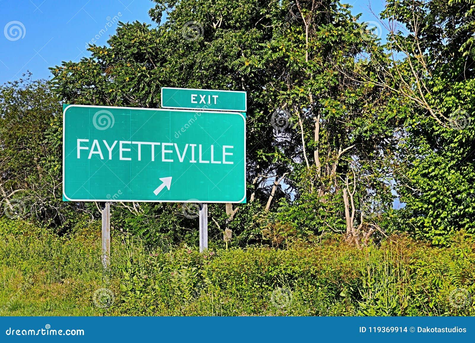 Знак выхода шоссе США для Fayetteville
