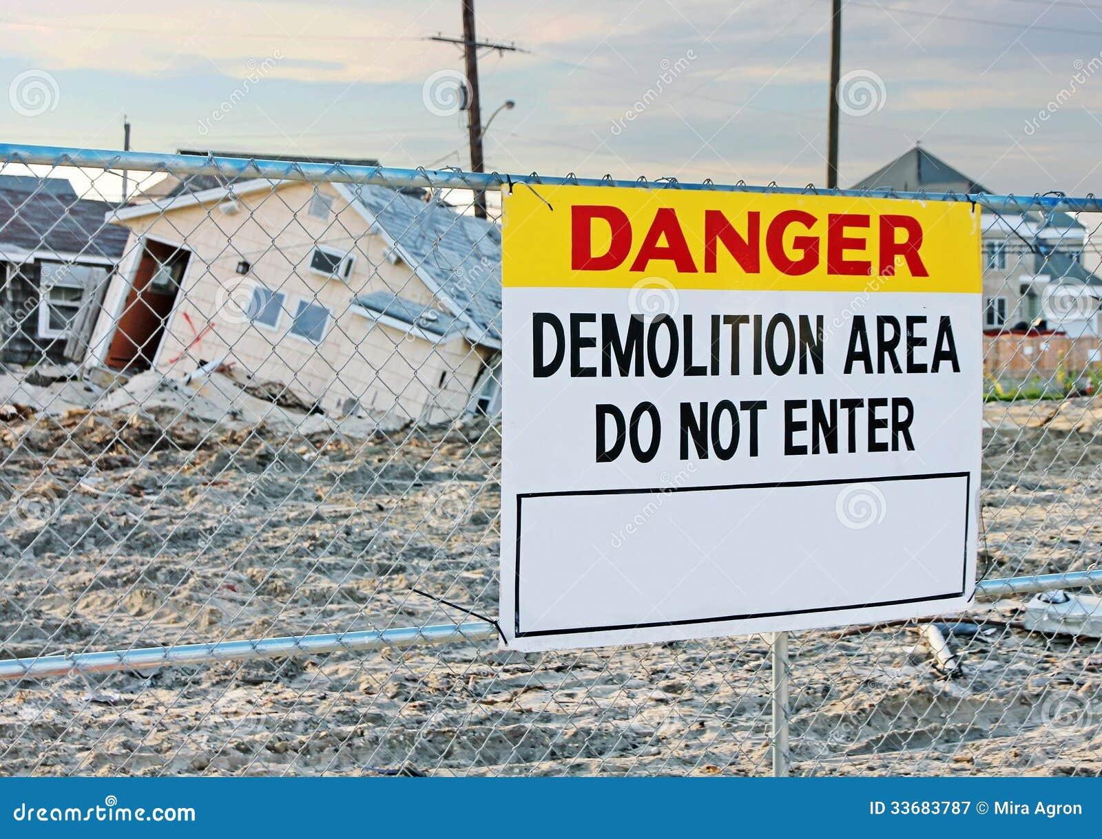 Знак подрыванием опасности