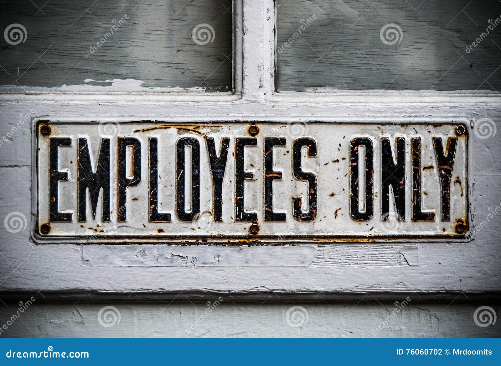 Знак работника только