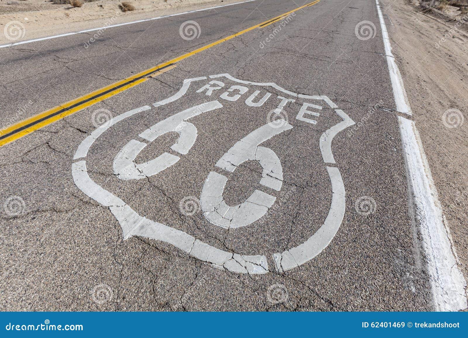 Знак трассы 66 на сломленной мостоваой