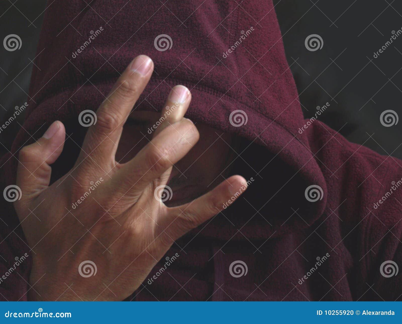знак члена руки шатии