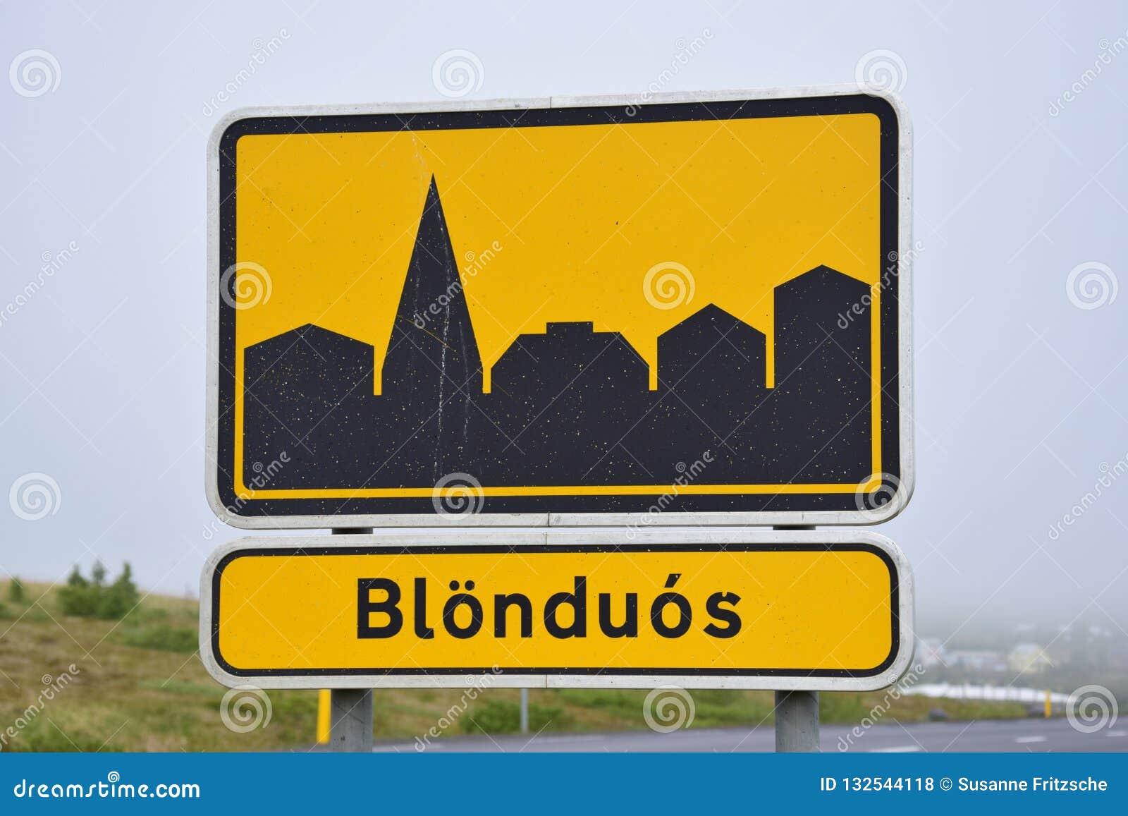 Знак Blönduos, маленький город городка в Исландии