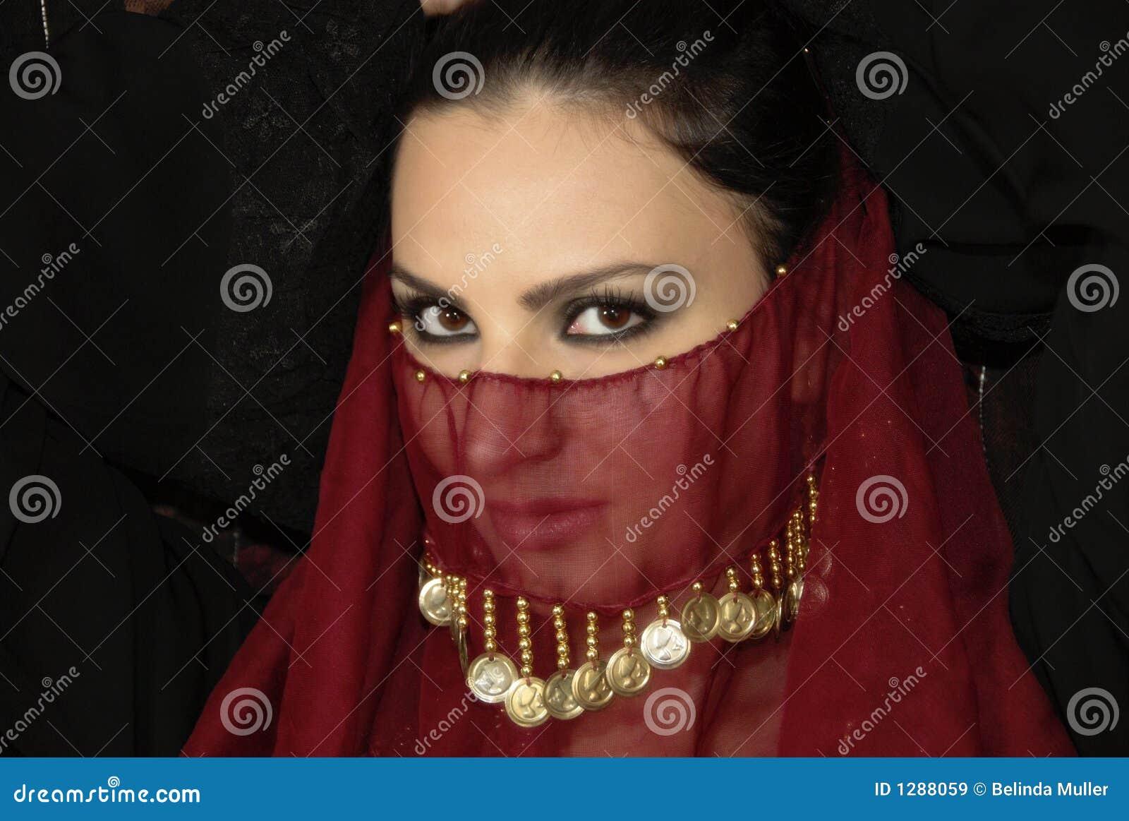 знойная женщина