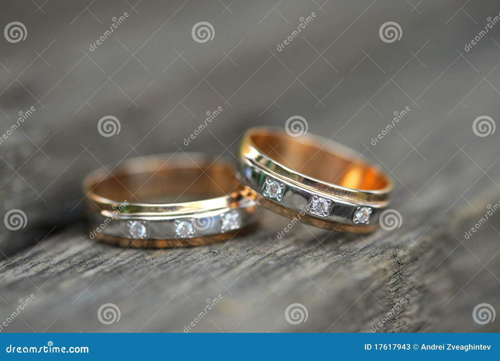 золотистые кольца 2 wedding