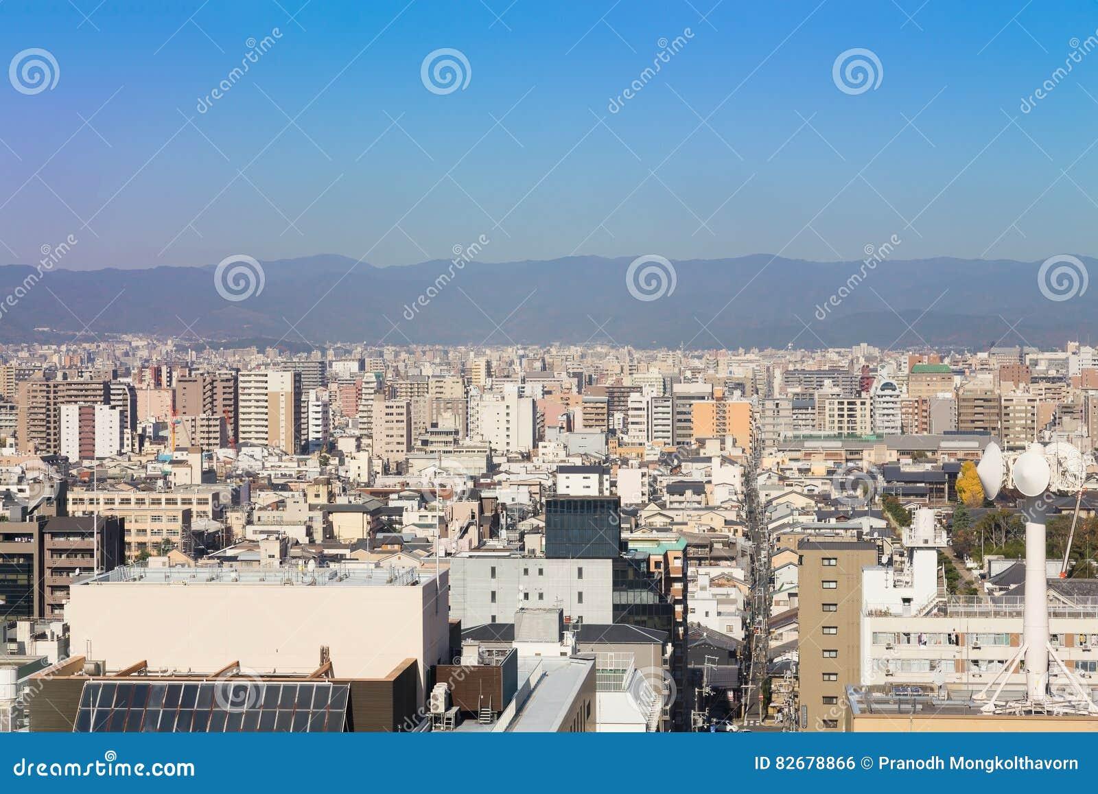 Зона предпринемательства централи города Киото вида с воздуха