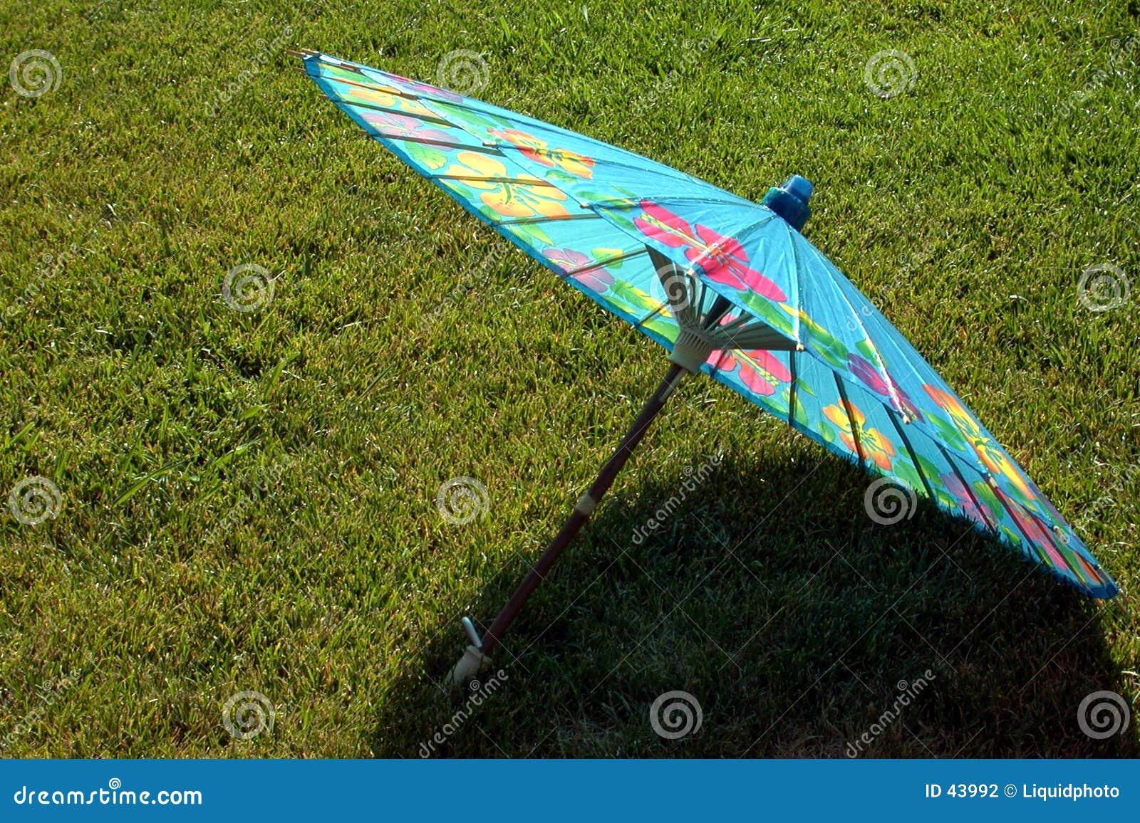 зонтик голубой бумаги