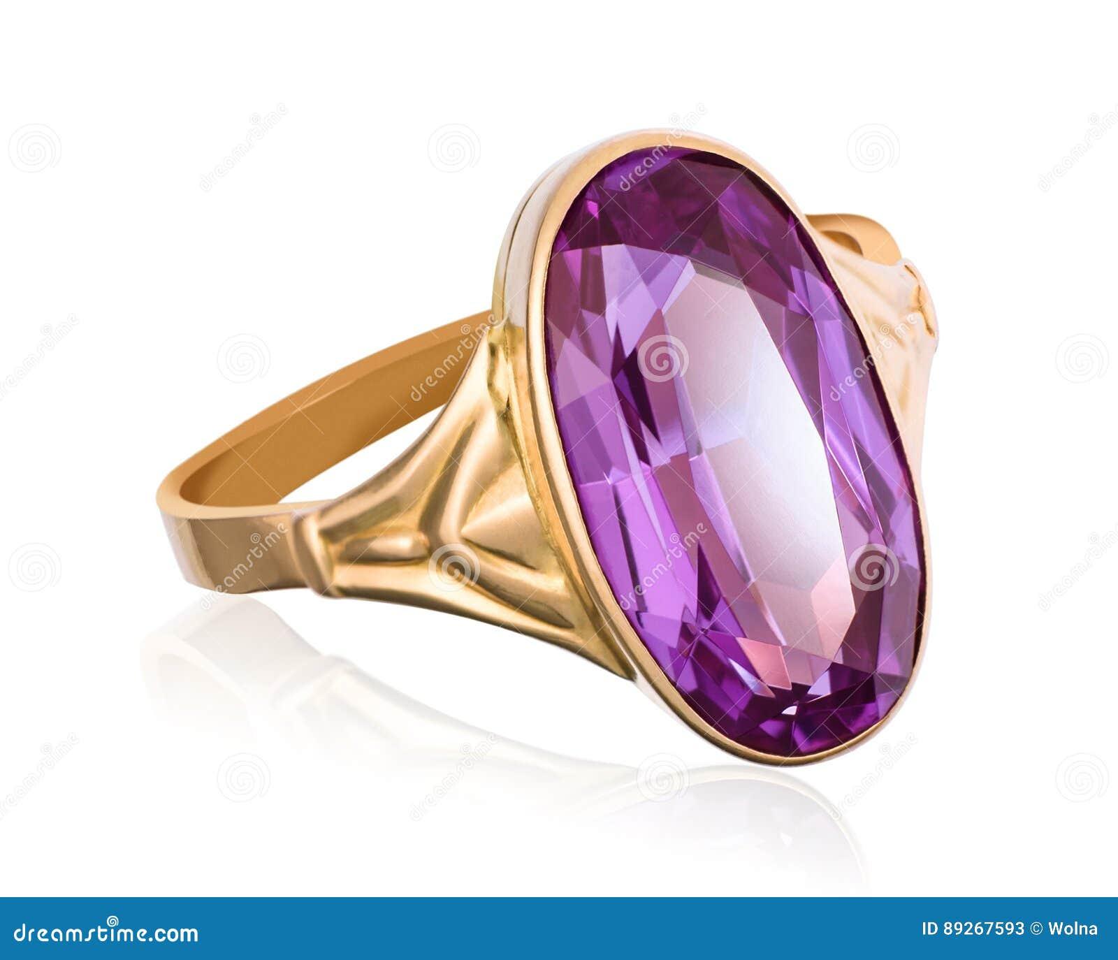 Золотое кольцо с фиолетовым крупным планом драгоценной камня