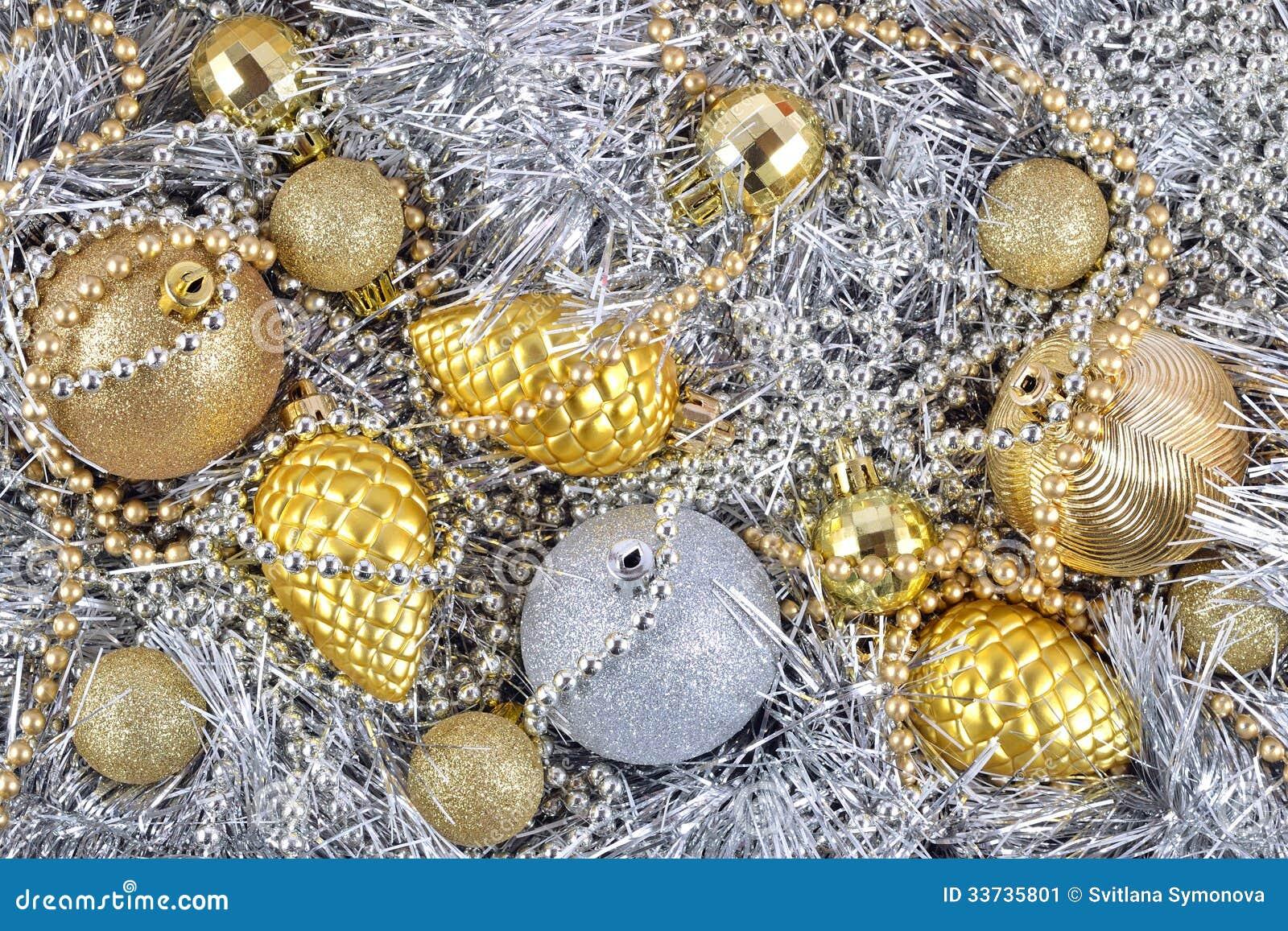 Золотые и серебряные украшения рождества