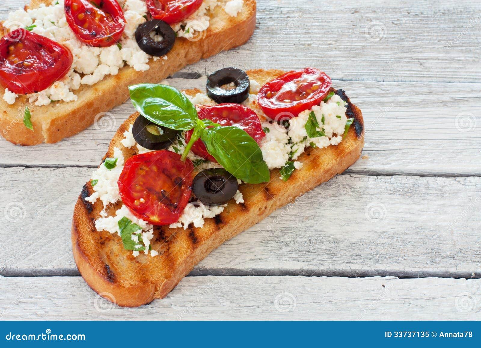 Здравицы с зажаренными томатами и рикоттой