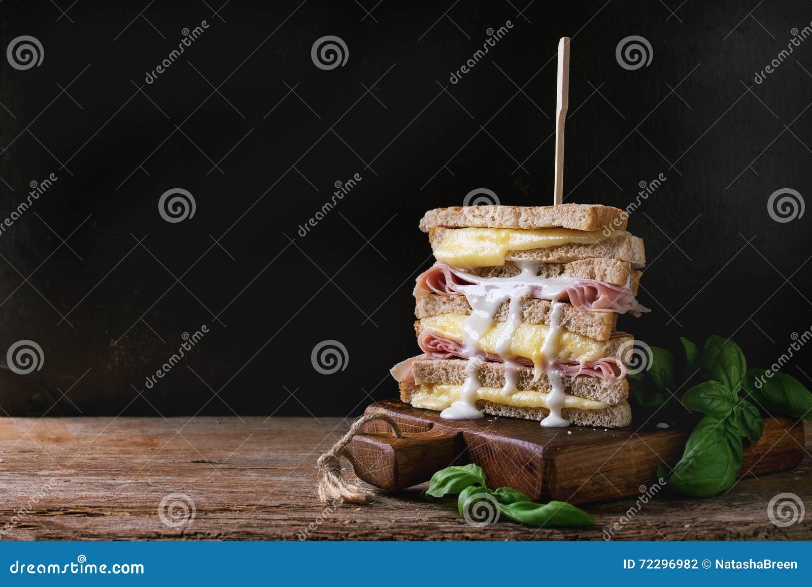 Download Здравицы с сыром и ветчиной Стоковое Фото - изображение насчитывающей ветчина, лить: 72296982
